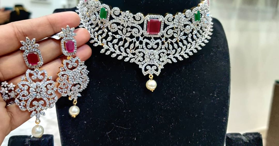 diamond-choker-with-matching-earrings