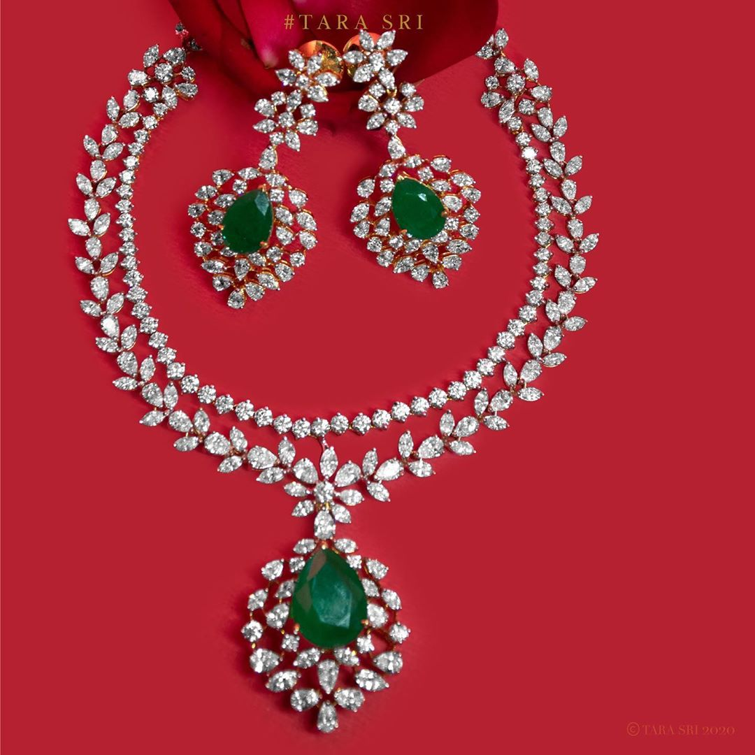 diamond-emerald-necklace-set
