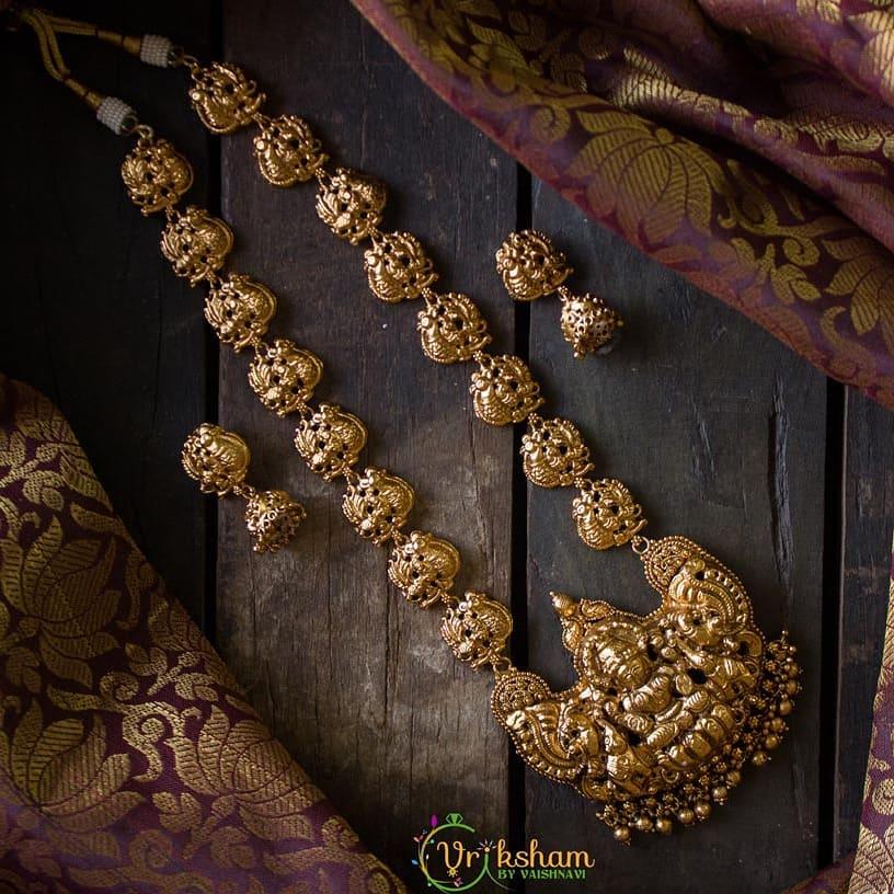 gold-lakshmi-antique-haram-and-jhumkas