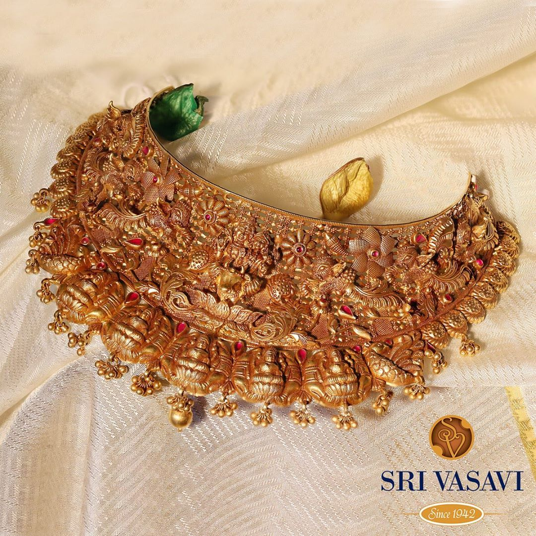 gold-temple-choker-necklace