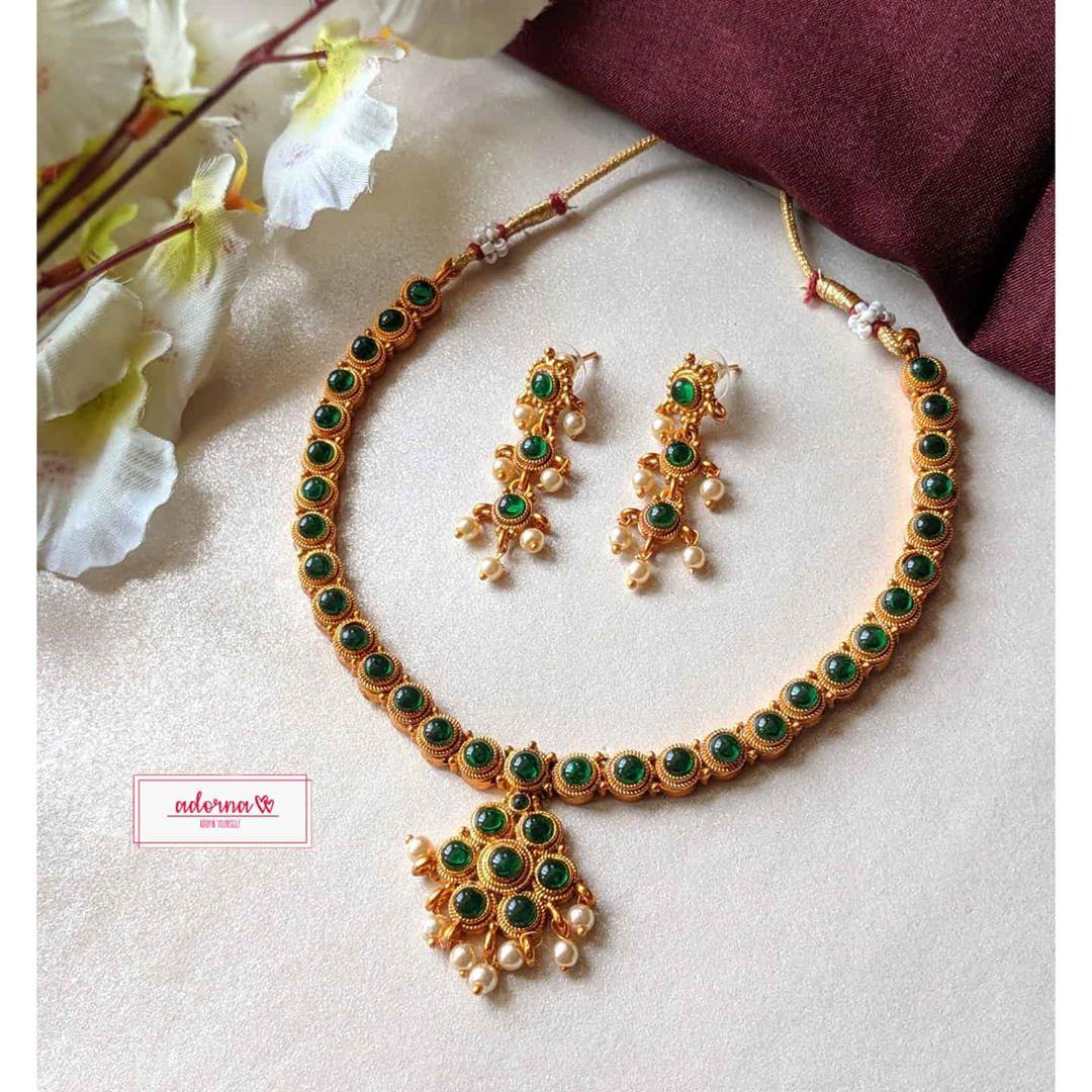 matte-gold-green-stone-set