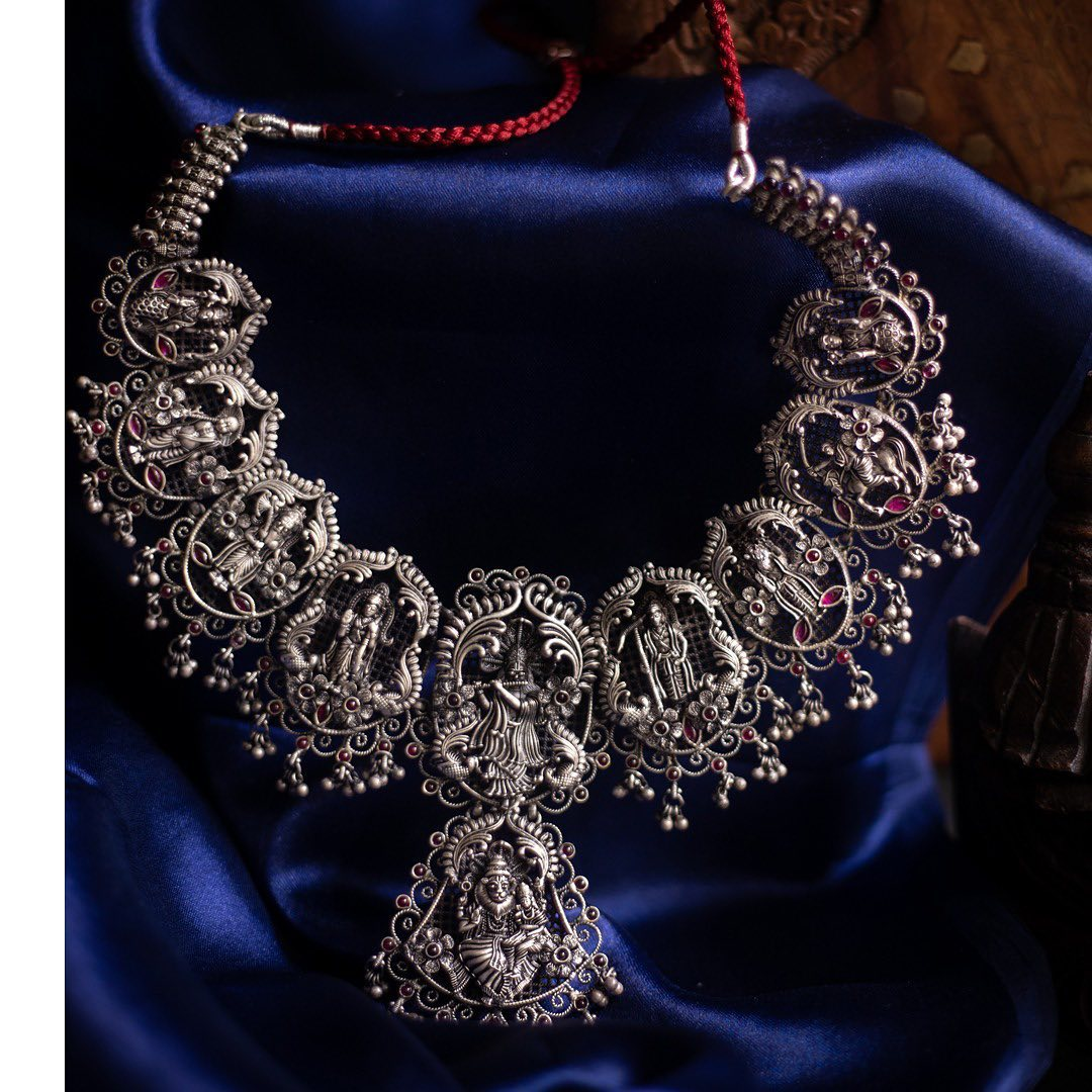 silver-temple-necklace