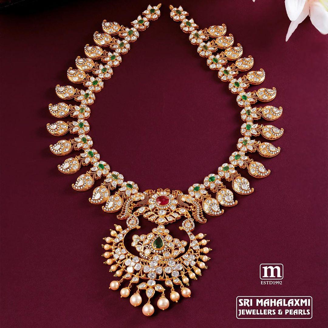 uncut-diamond-ruby-emerald-mangomala