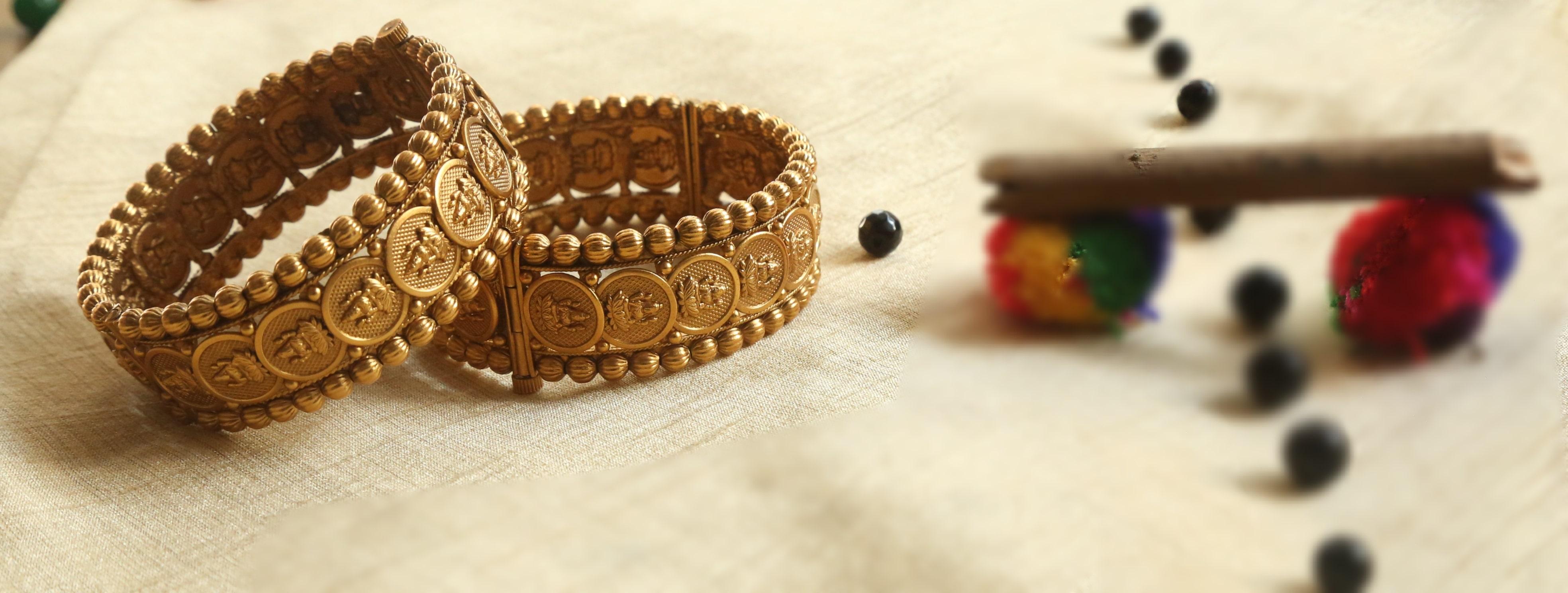 Traditional-Lakshmi-Coin-Bangles-01