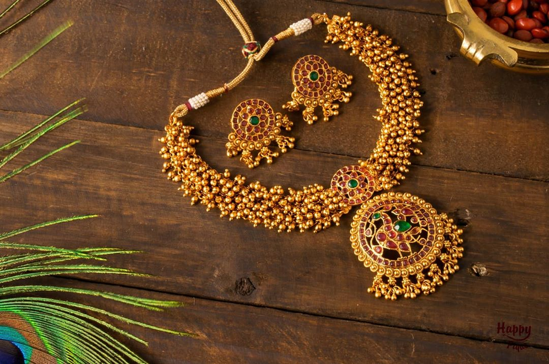 golden-pearl-bunch-annapakshi-heavy-necklace