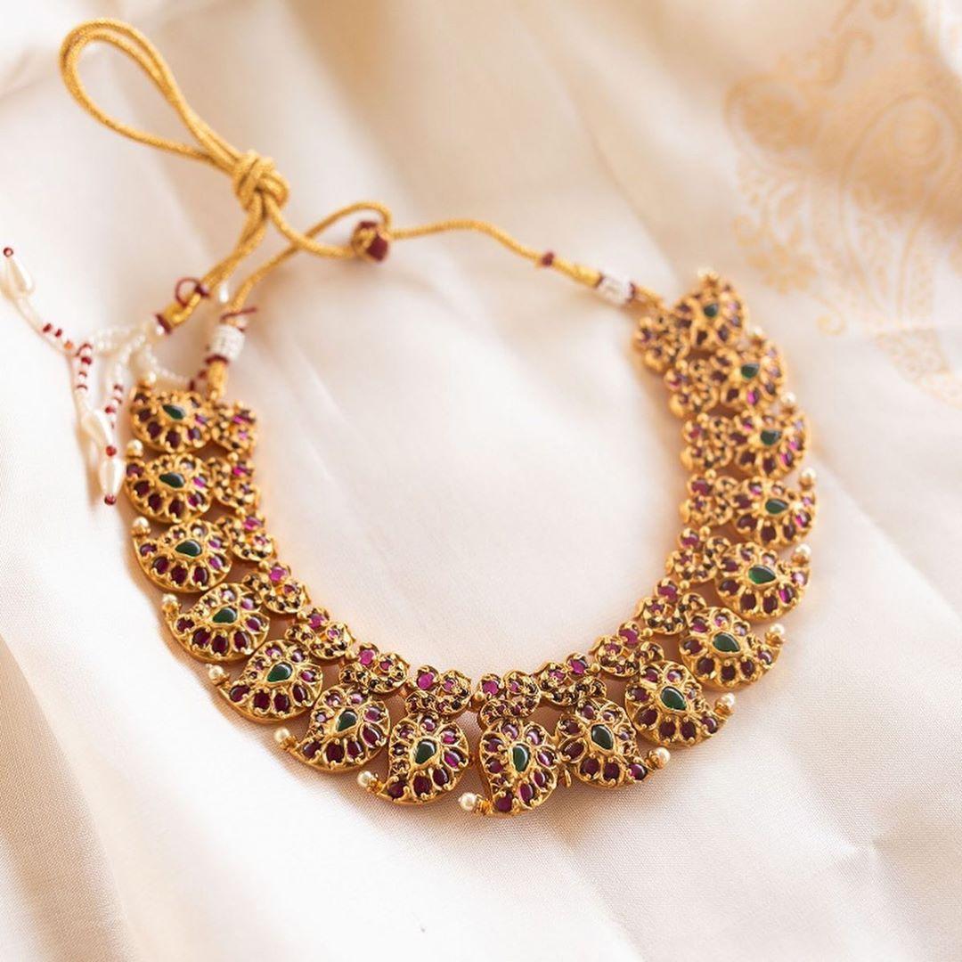 kemp-mango-necklace