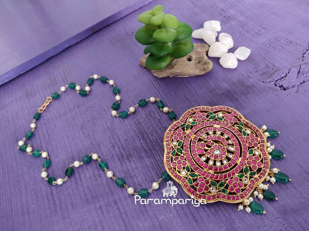kundan-green-beads-necklace