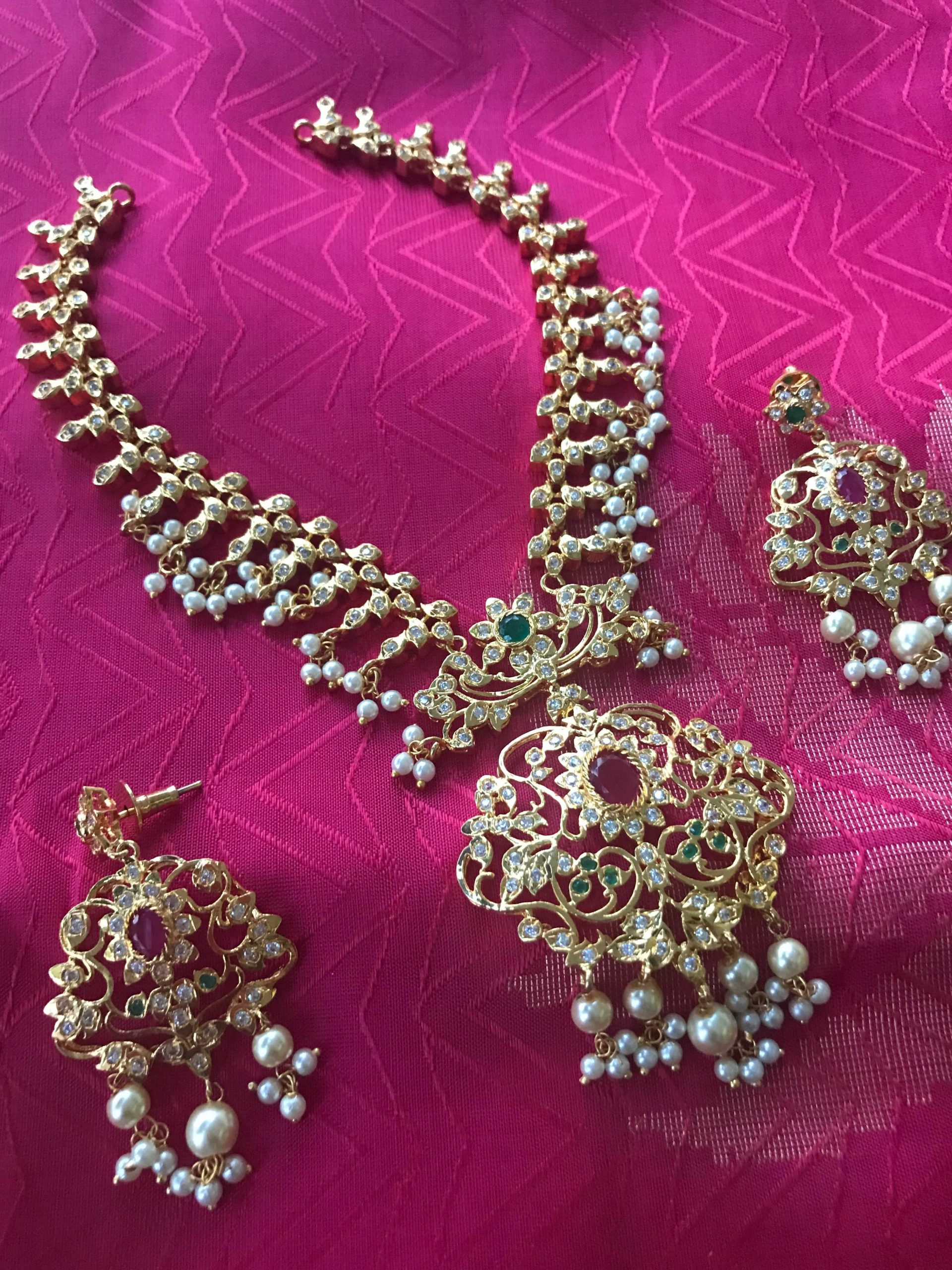 stone-pearl-necklace-set