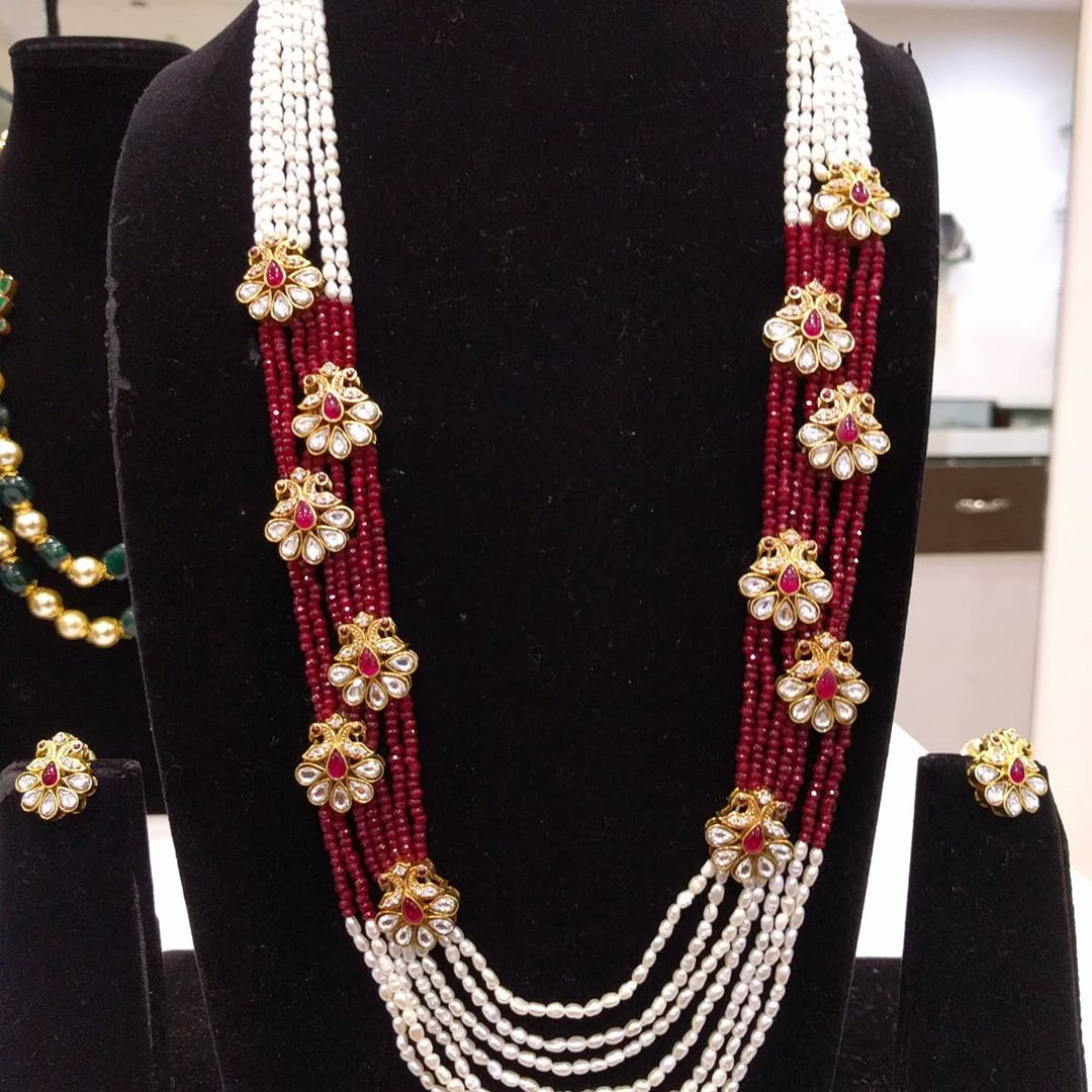 layered-pearl-necklace