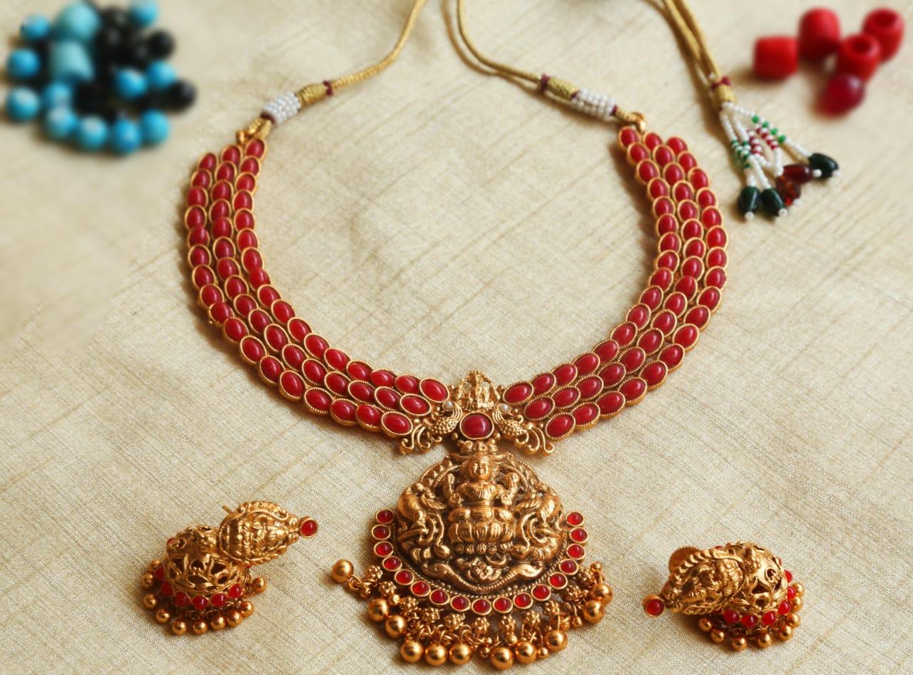 Antique-Red-Stone-Lakshmi-Pendant-Necklace-01