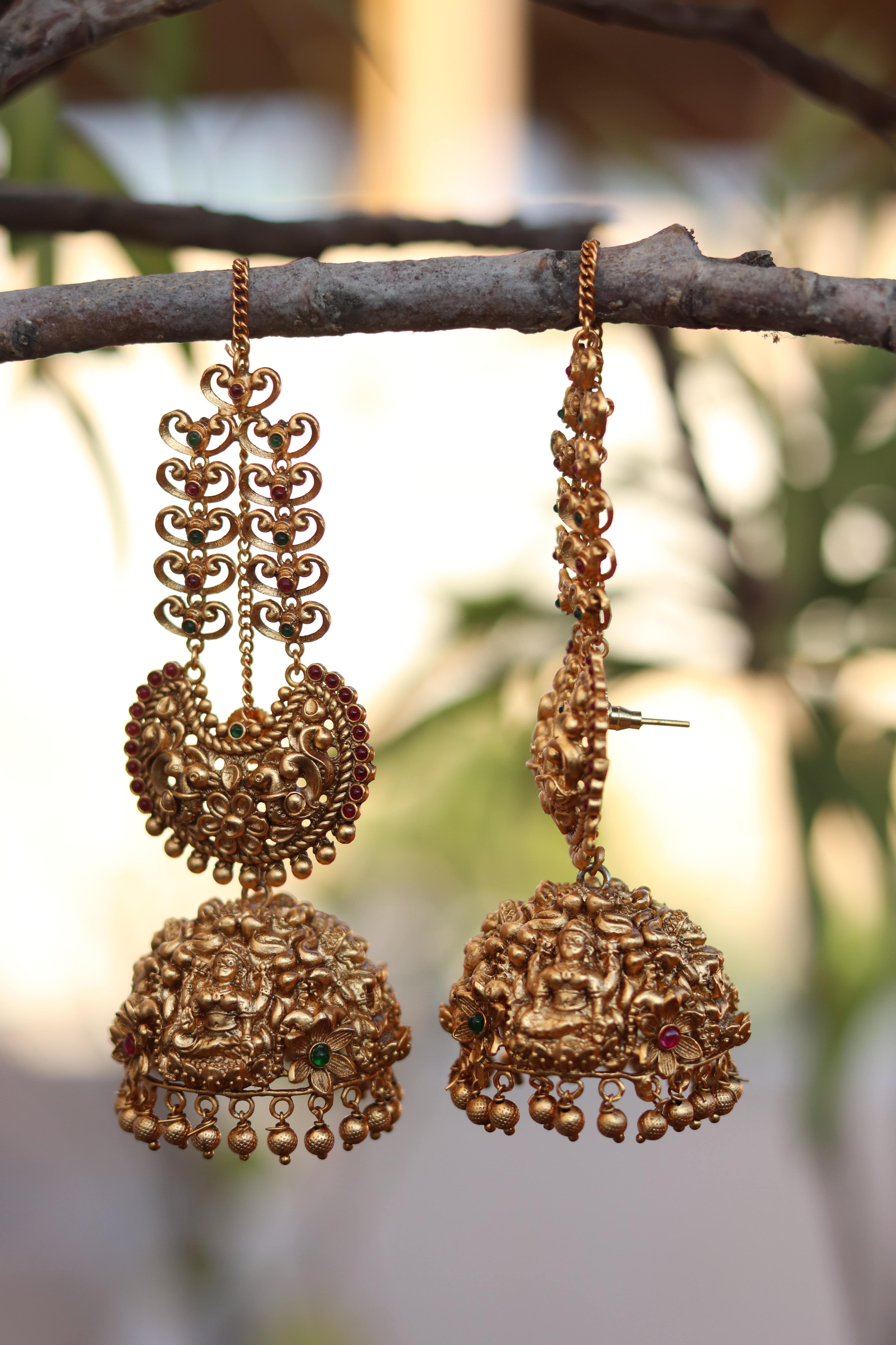 Big-Bridal-Antique-Jhumkas-With-Ear-Chains-01