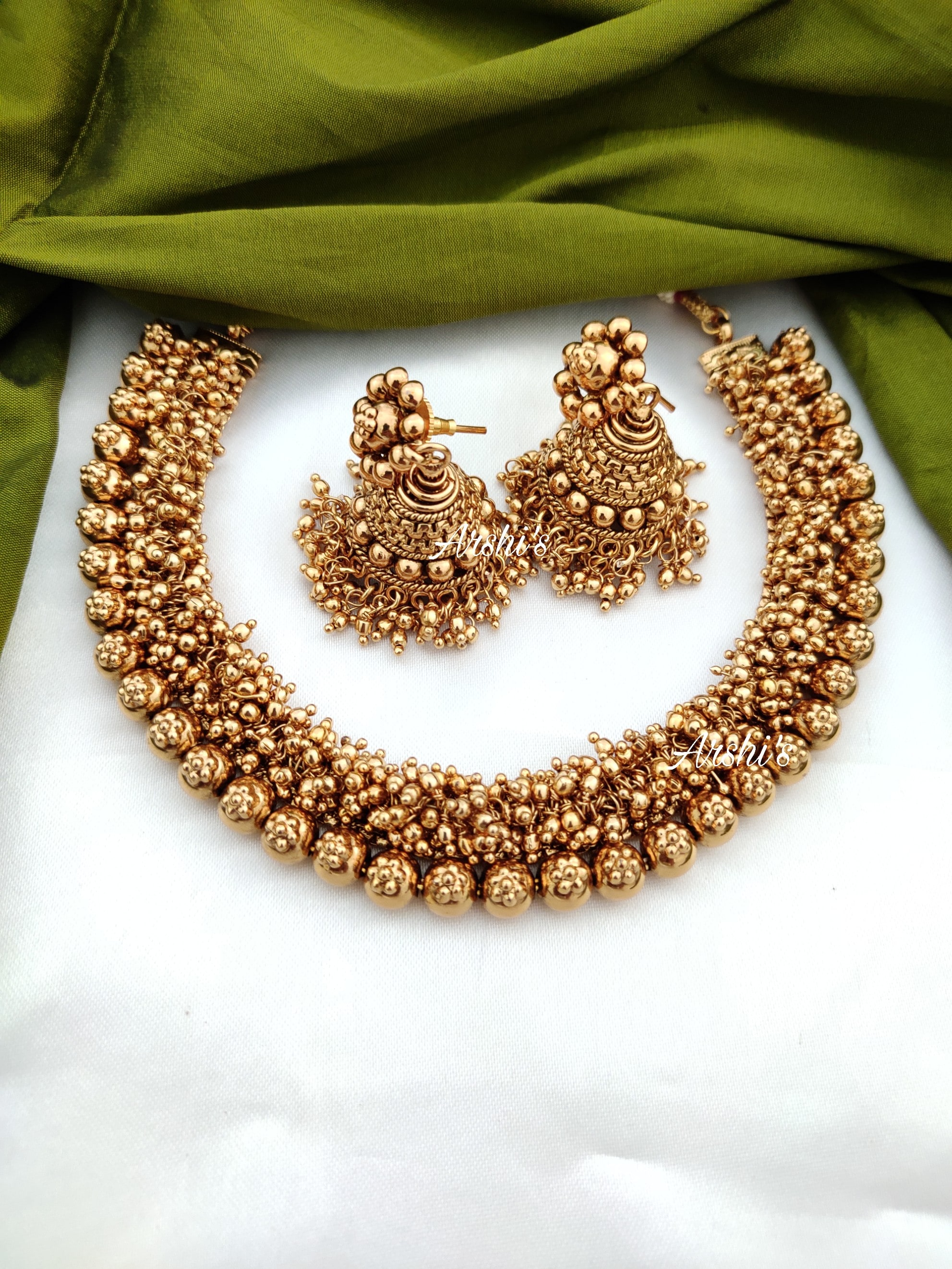Imitation-Antique-Gold-Bead-Necklace-01