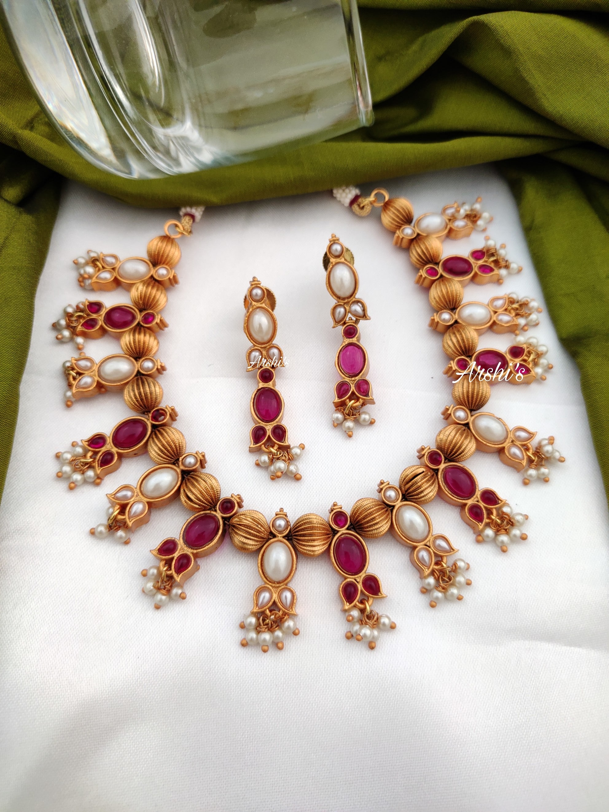 Real-kemp-and-pearl-gold-bead-necklace-01