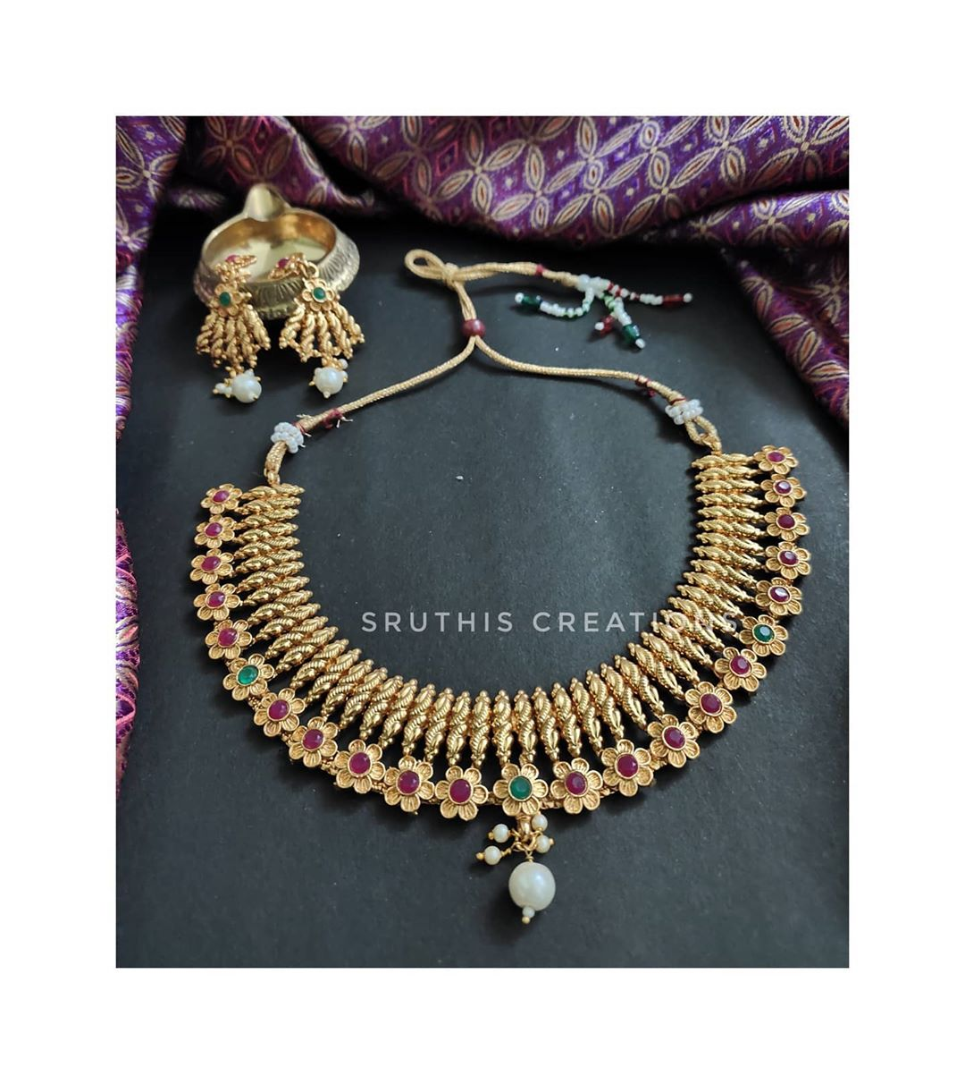 antique-necklace-with-matching-earrings