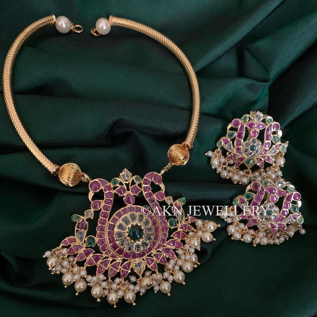 gold-finish-navarathna-uncut-polki-stones-pendant-set-with-pipe-necklace.