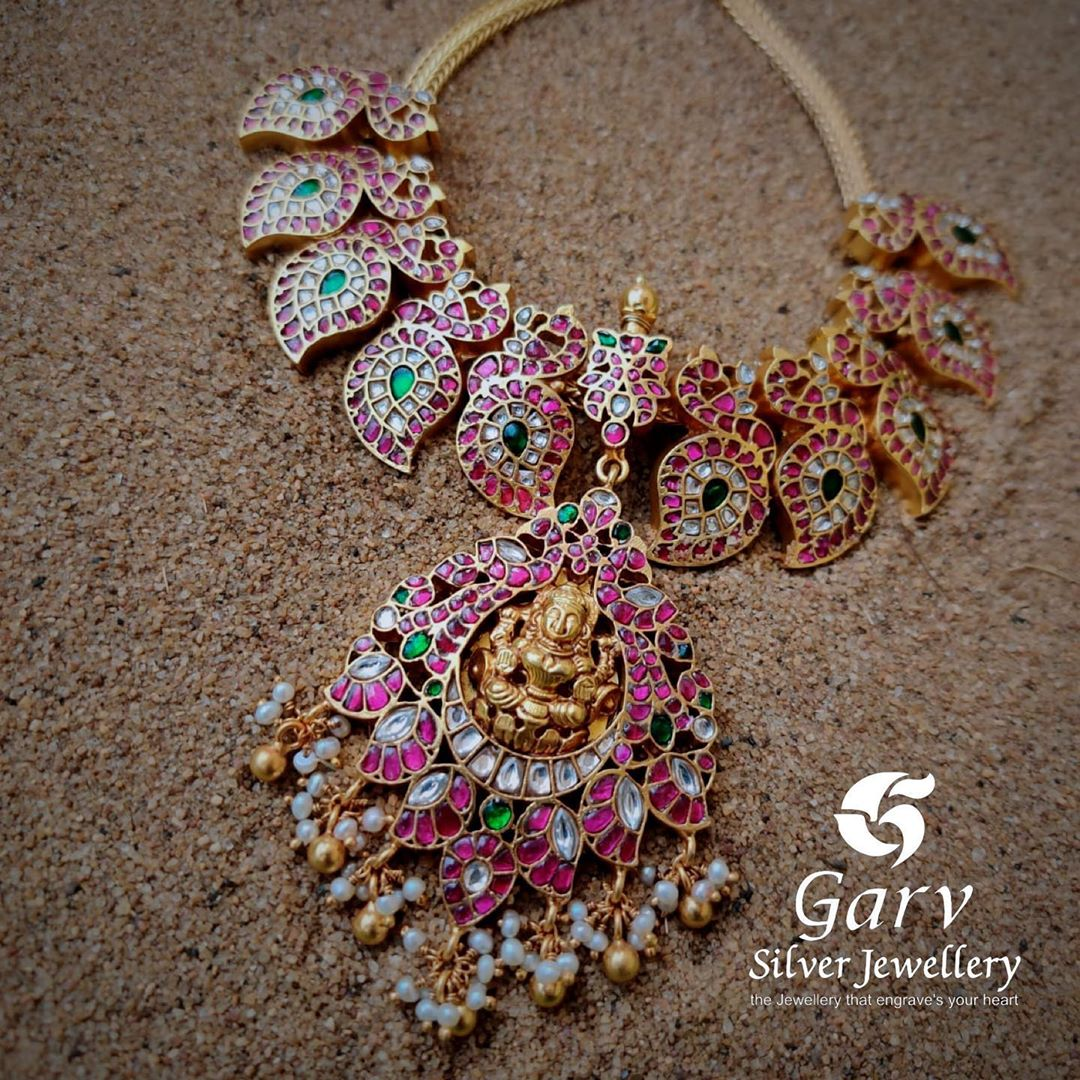 gold-plated-authentic-kundan-necklace