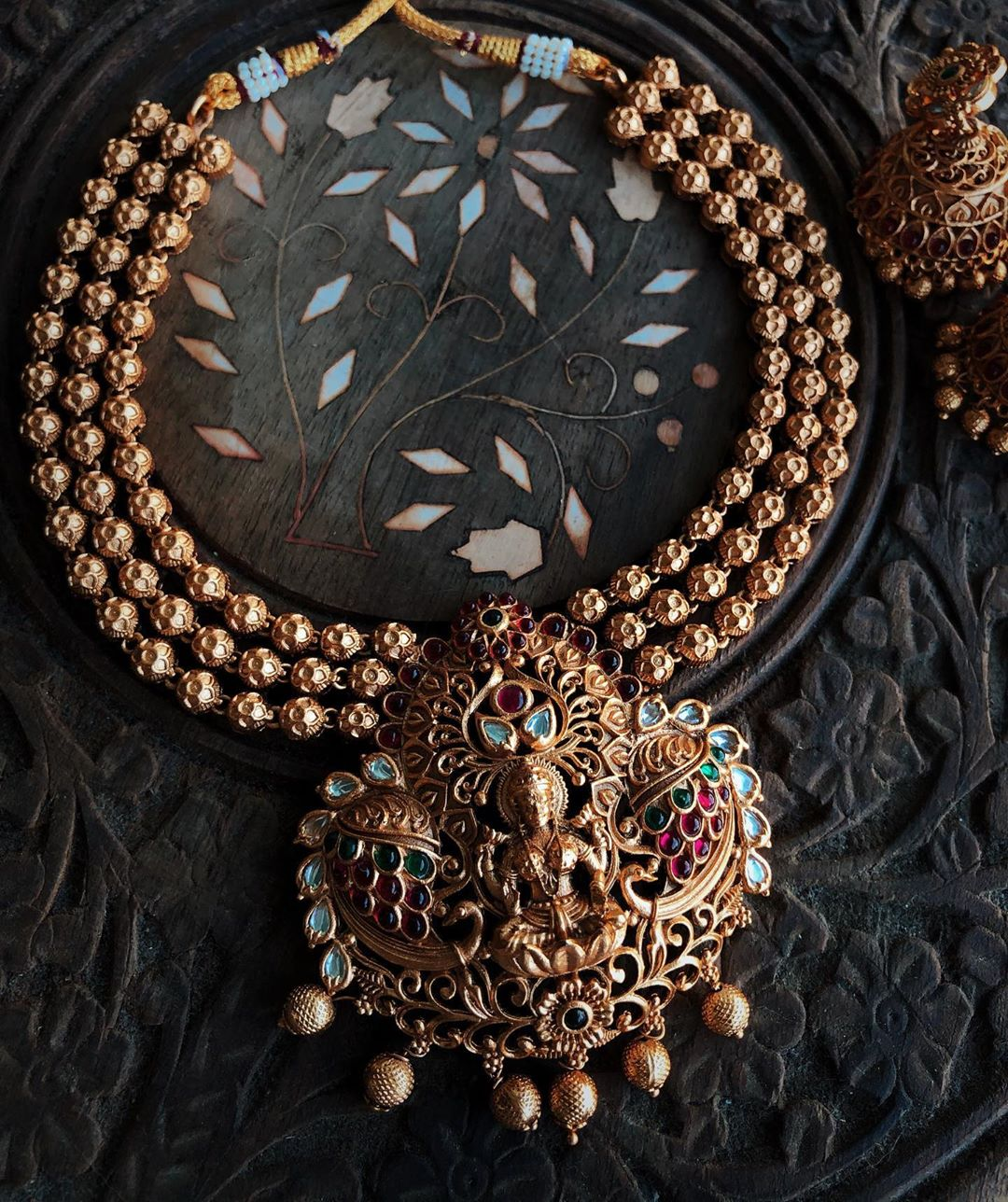 lakshmi-temple-necklace-with-matching-jhumkas