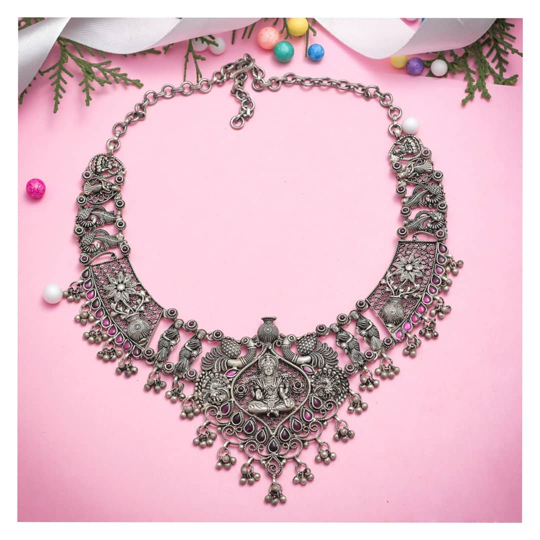 tribal-silver-necklace