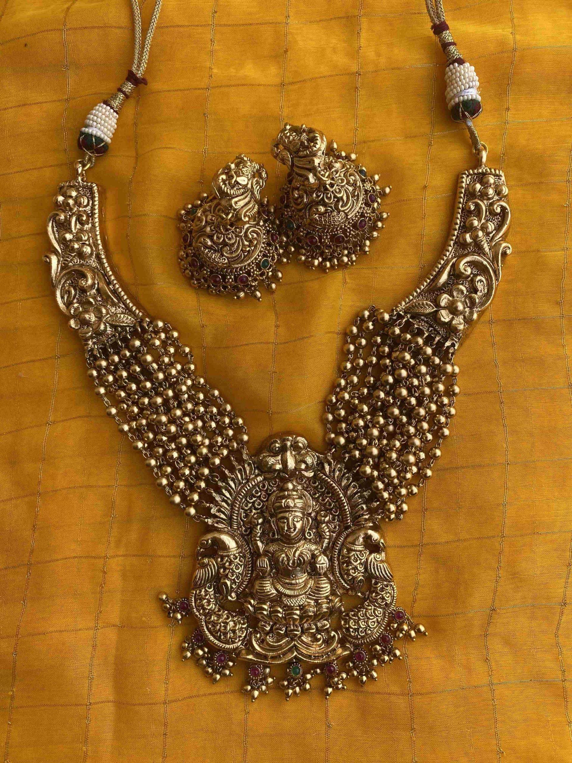 Grand-Bridal-Golden-Guttapusalu-Lakshmi-Necklace-01
