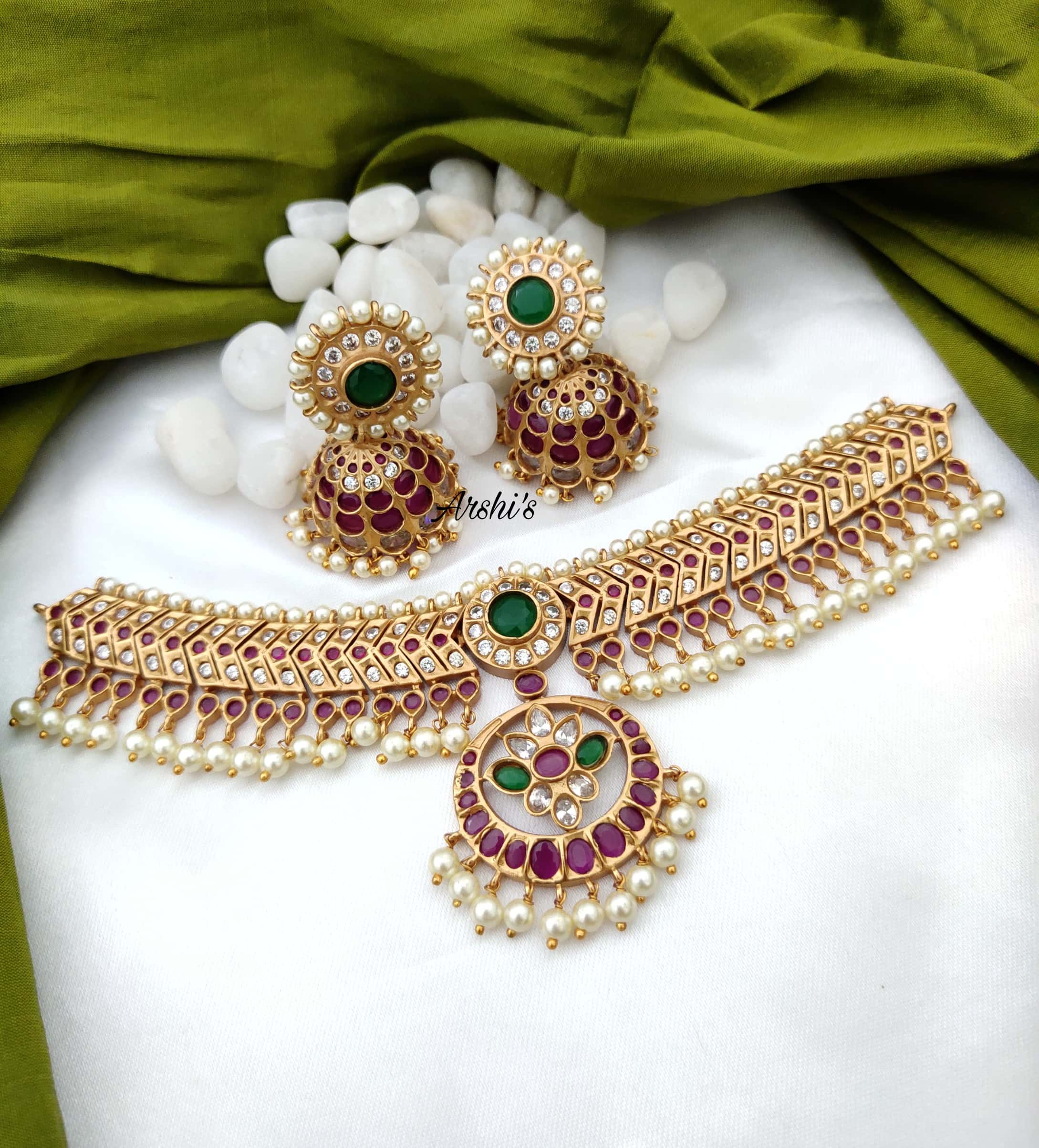 South-Indian-Style-Ruby-and-Green-Stone-Choker-01