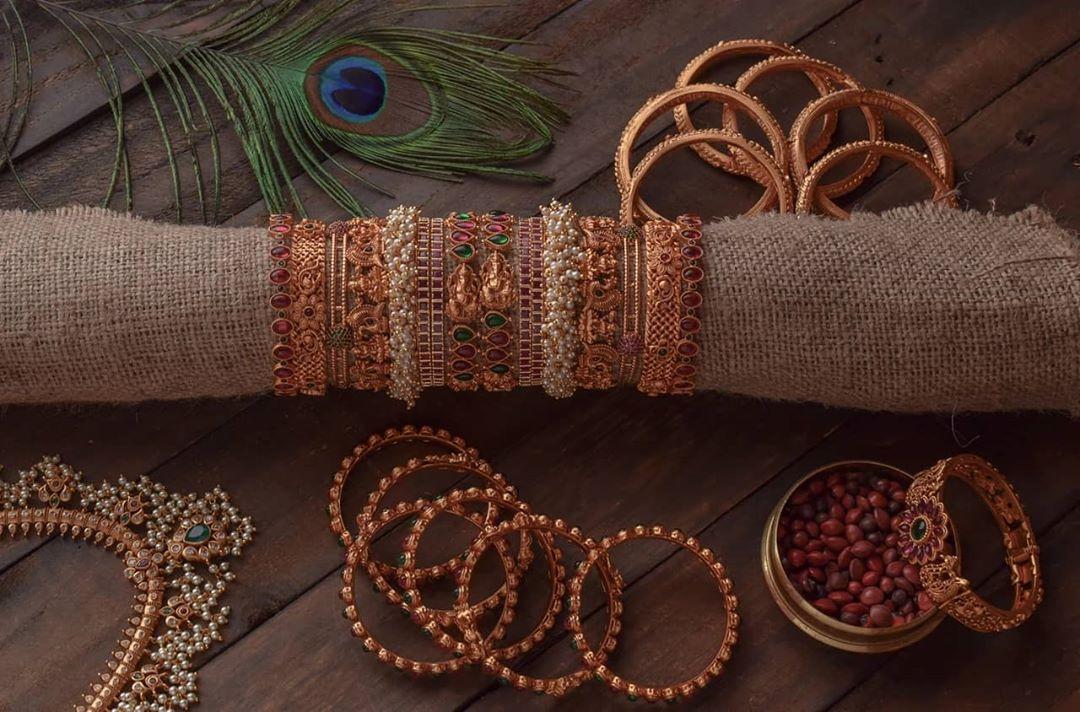 antique-bangles-set