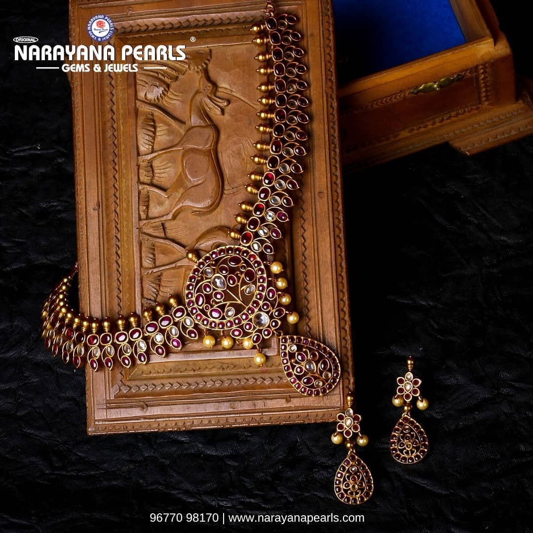 antique-necklace-set