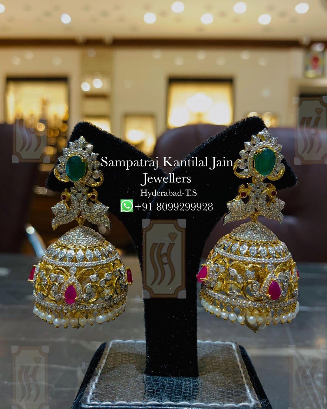 bridal-gold-jhumka
