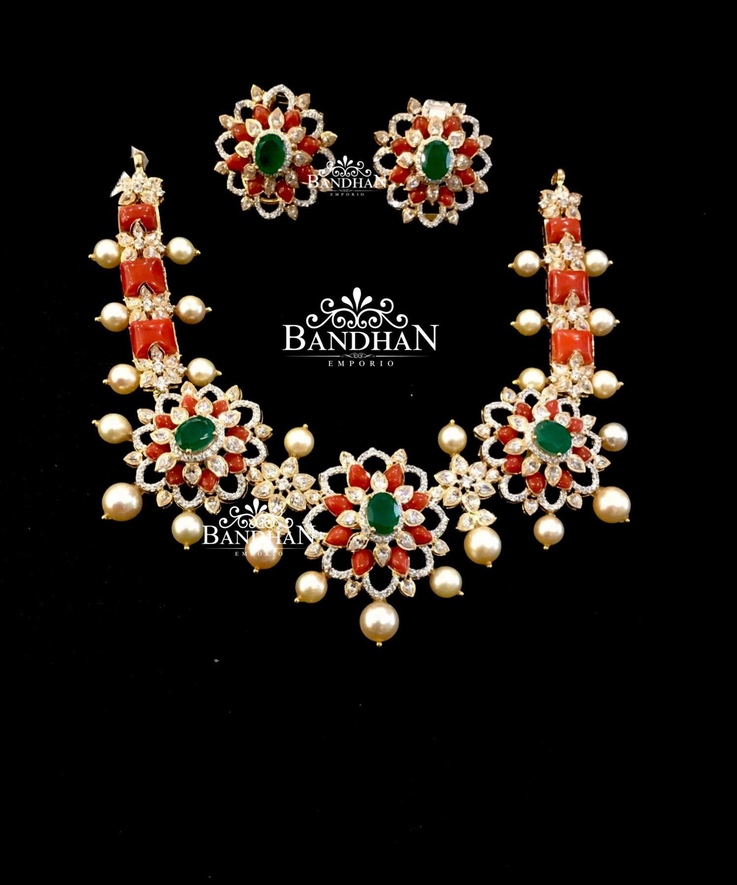 floral-design-silver-necklace-set