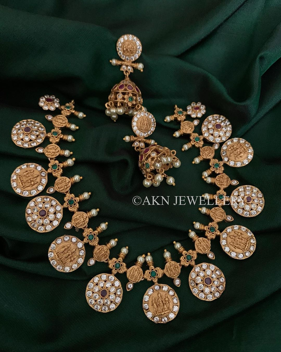 gold-plated-temple-necklace-set