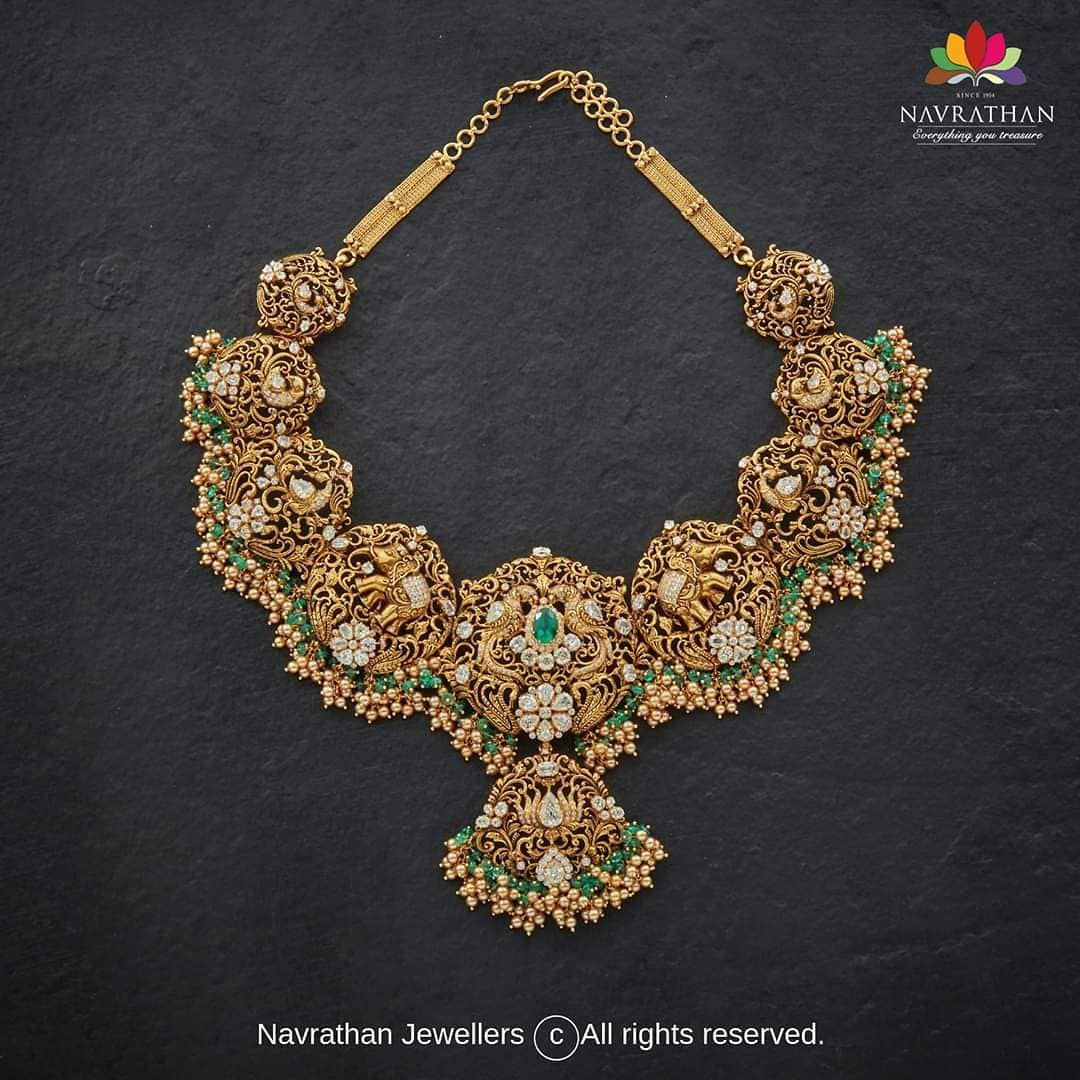 handcrafted-antique-gold-necklace
