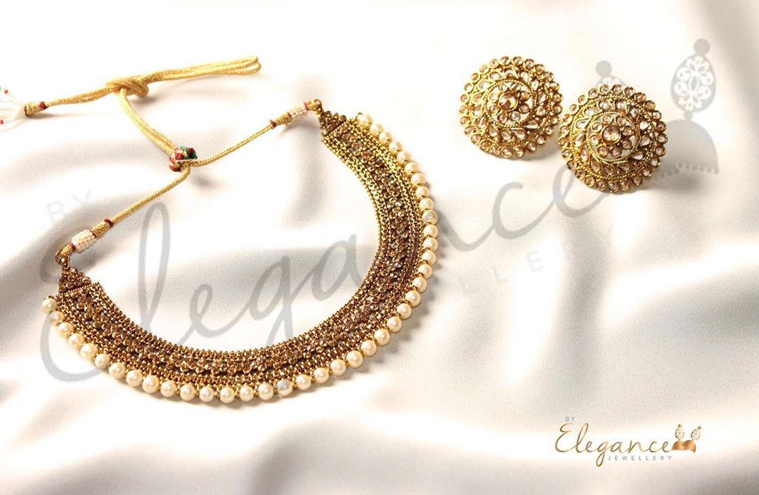 kundan-necklace-set-matching-studs