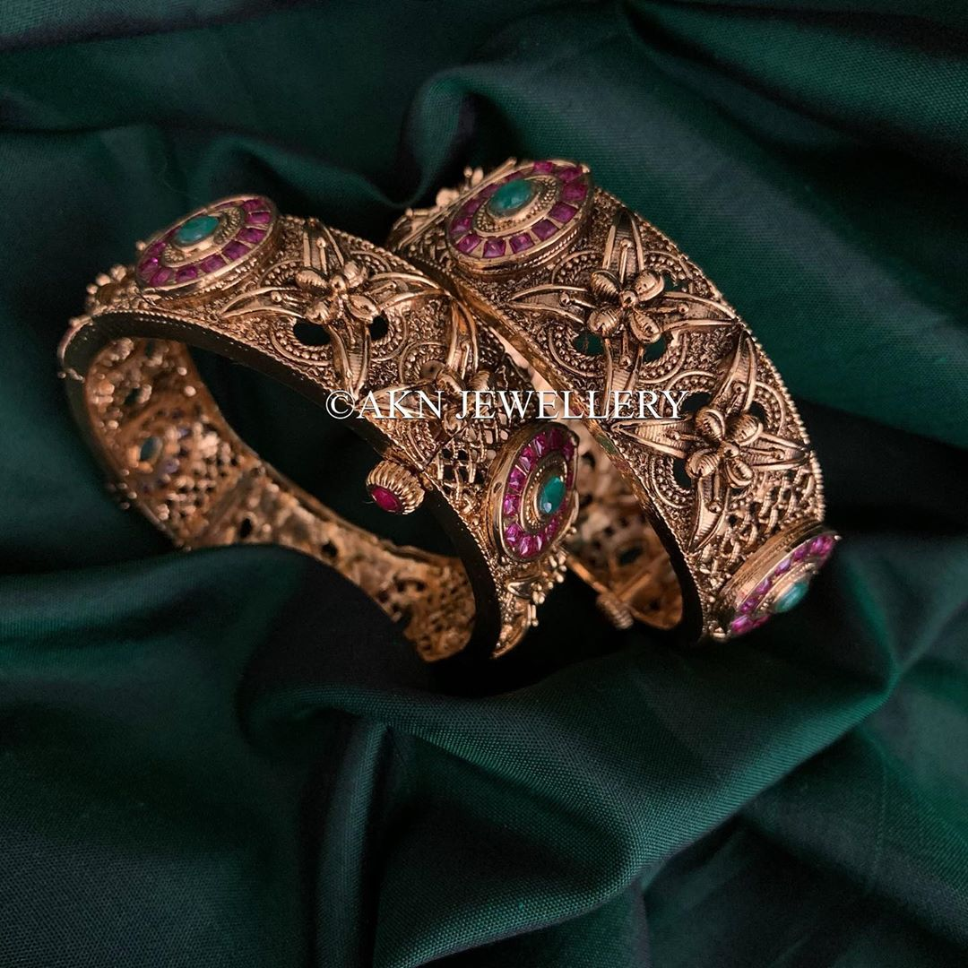 ruby-emerald-stone-antique-gold-bangles