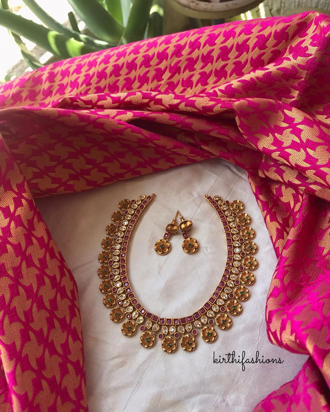 traditional-ad-stones-floral necklace-set