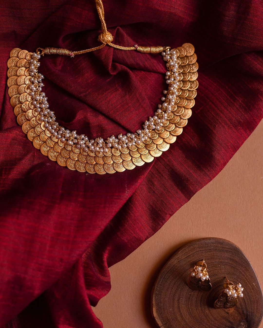 triple-coin-layered-cluster-pearl-necklace