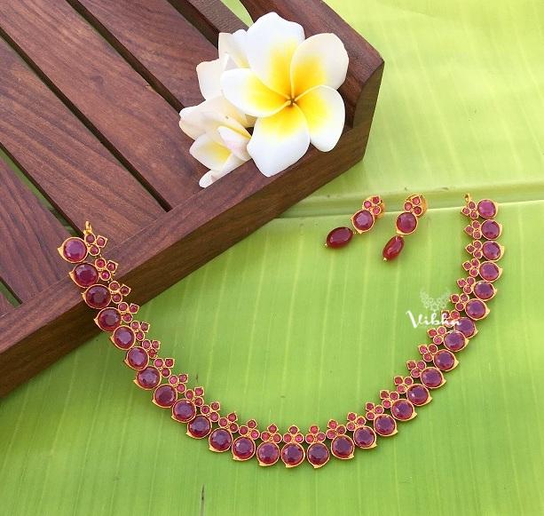 Beautiful-Sleek-Kemp-Stone-Necklace-01