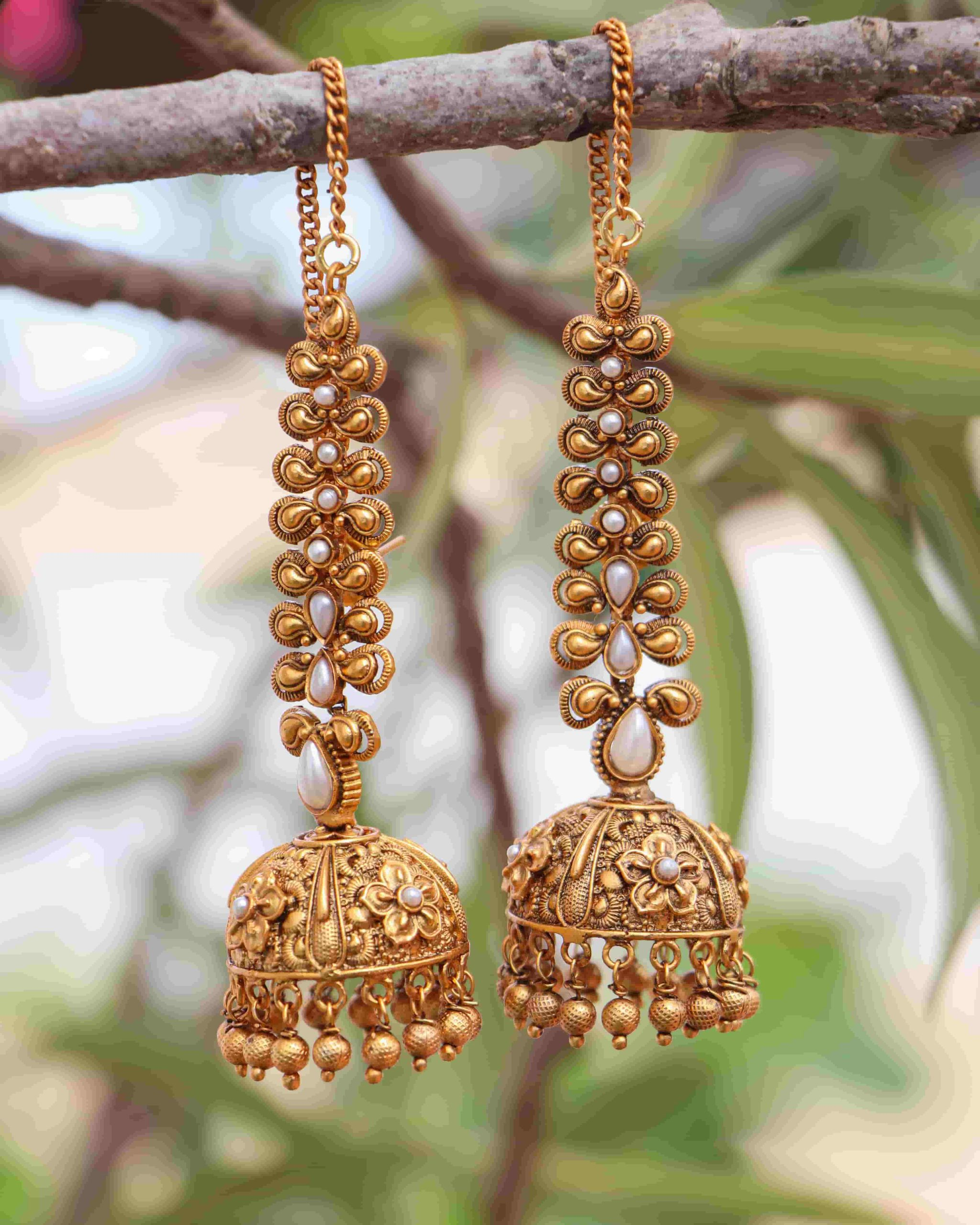 Grand-Bridal-Jhumkas-with-Ear-Chains-01-scaled