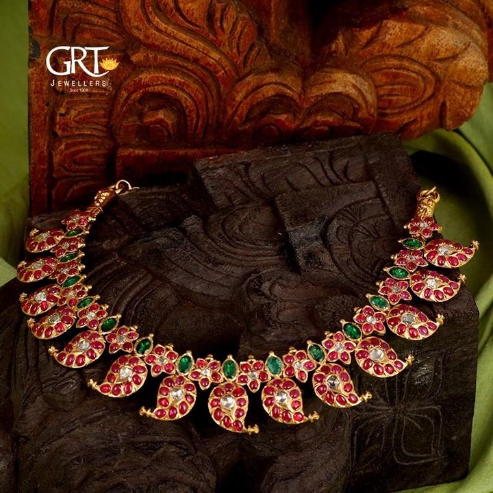 classic-mango-kemp-necklace