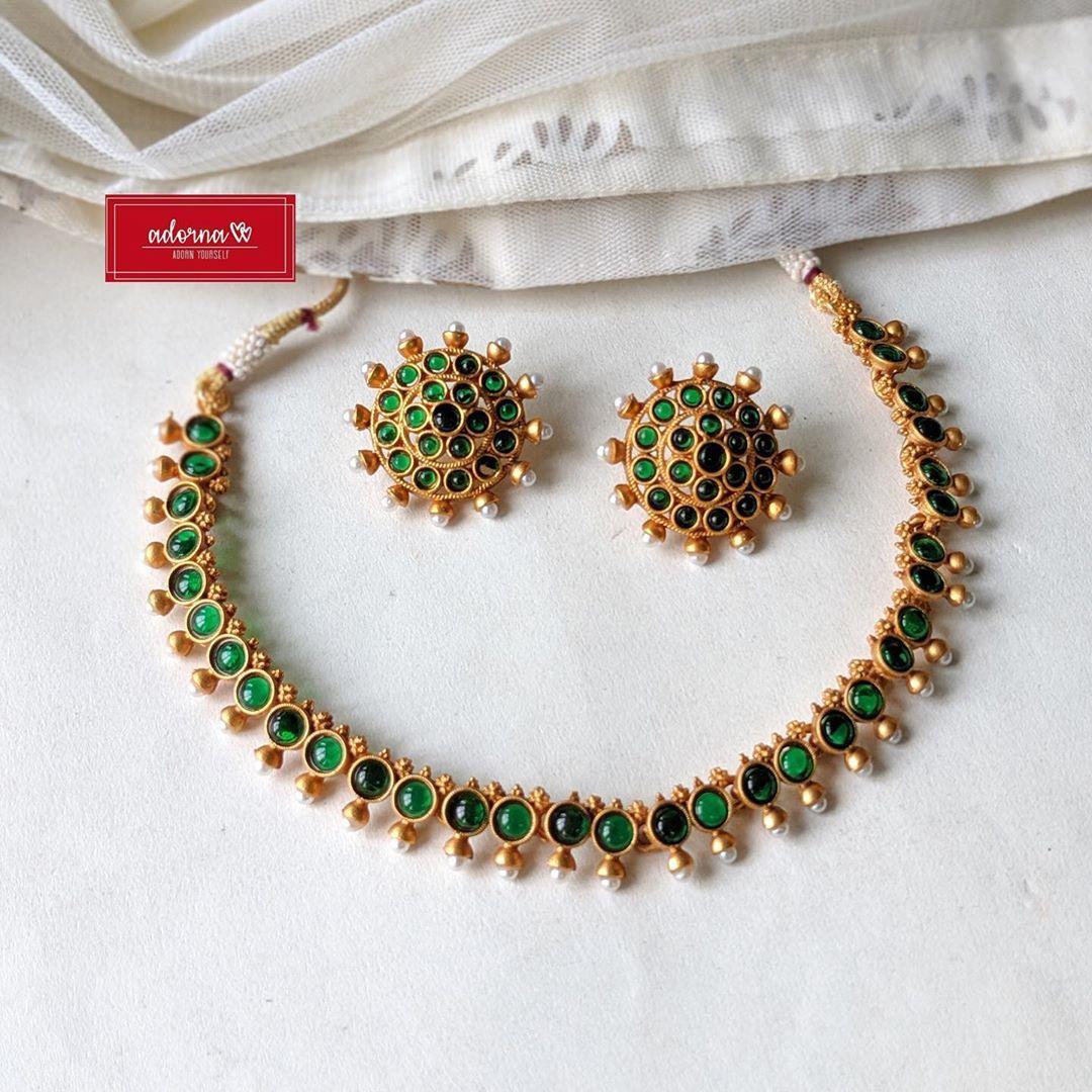 green-stone-pearl-set