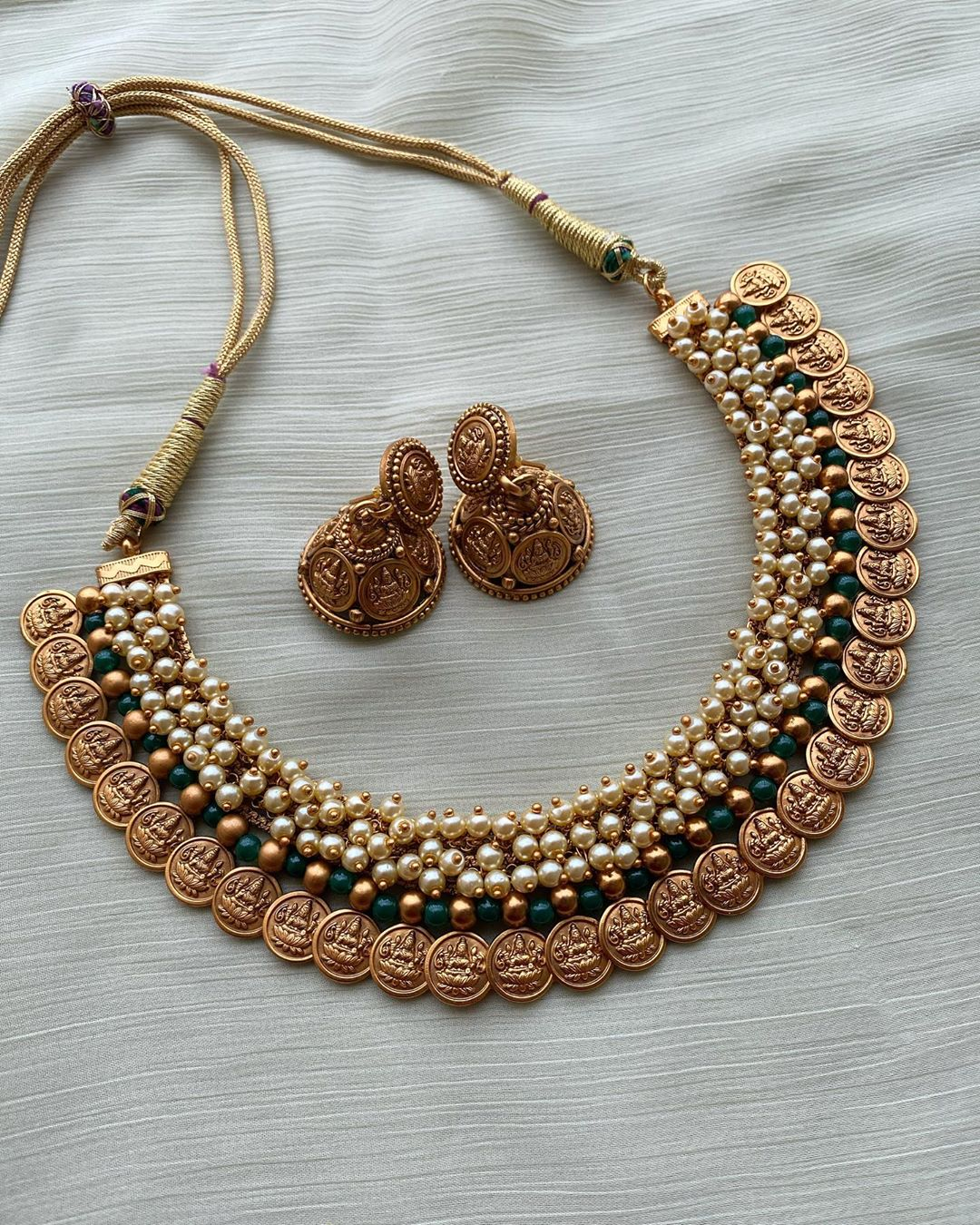 guttaspusalu-pearl-lakshmi-coin-necklace- jhumkas
