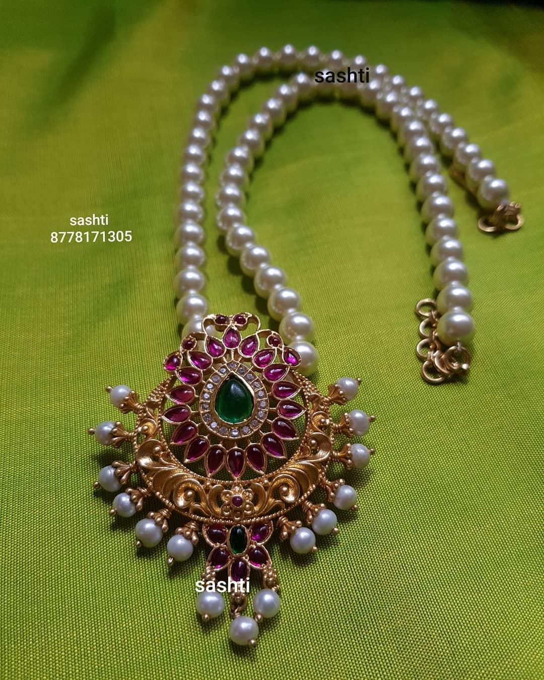 kemp-pendant-pearl-necklace
