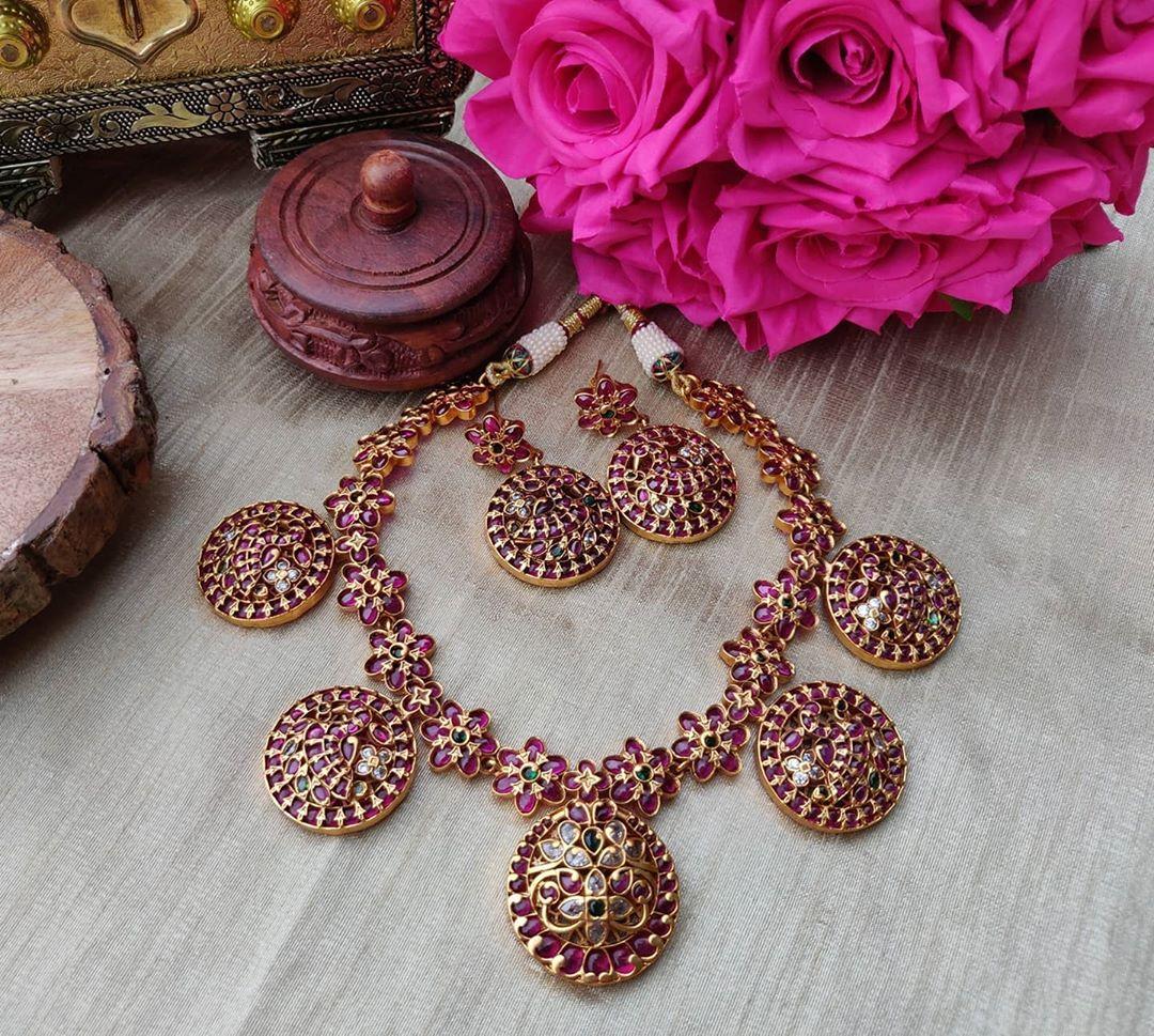 kemp-stone-floral-design-choker-earrings