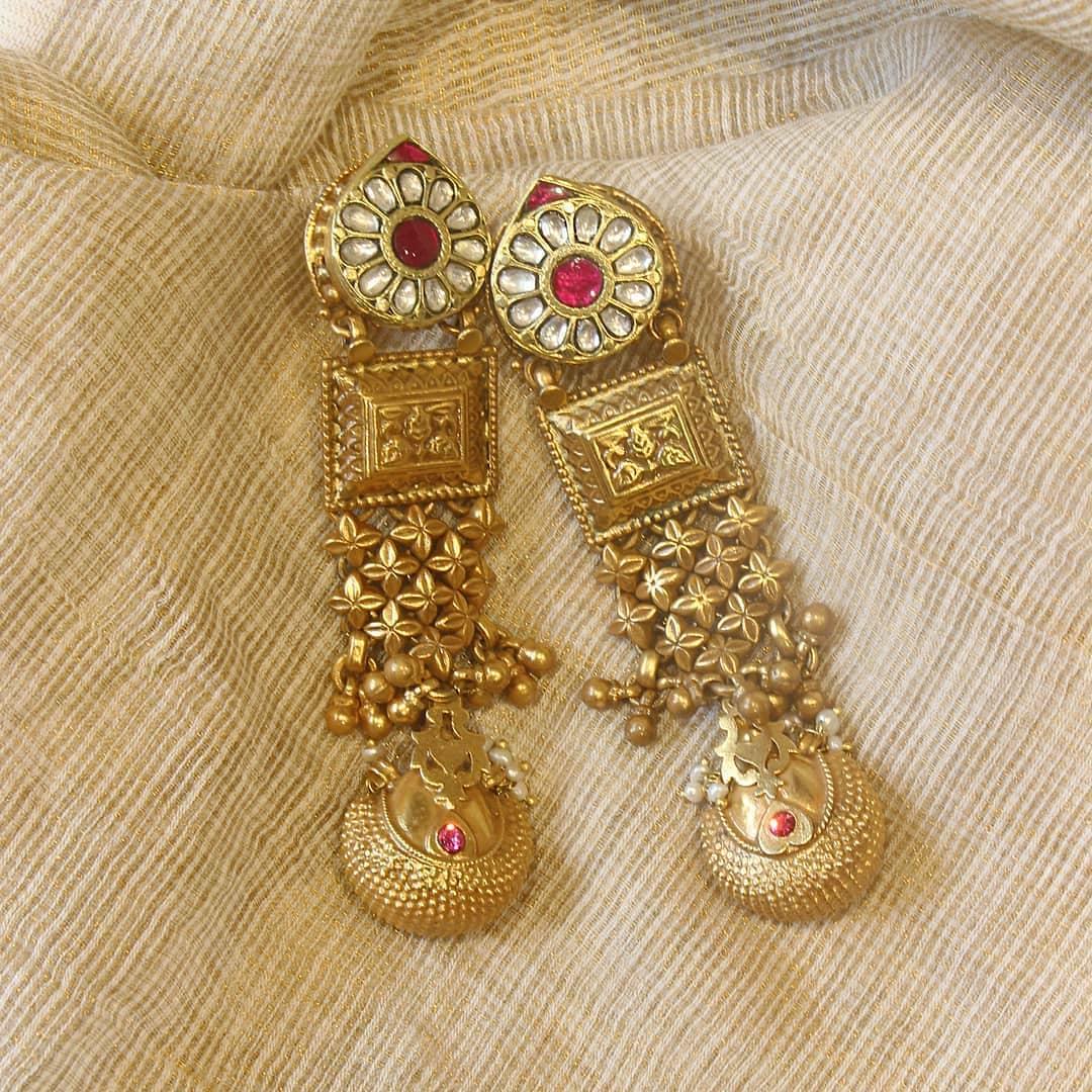 silver-gold-polished-chandelier-earrings