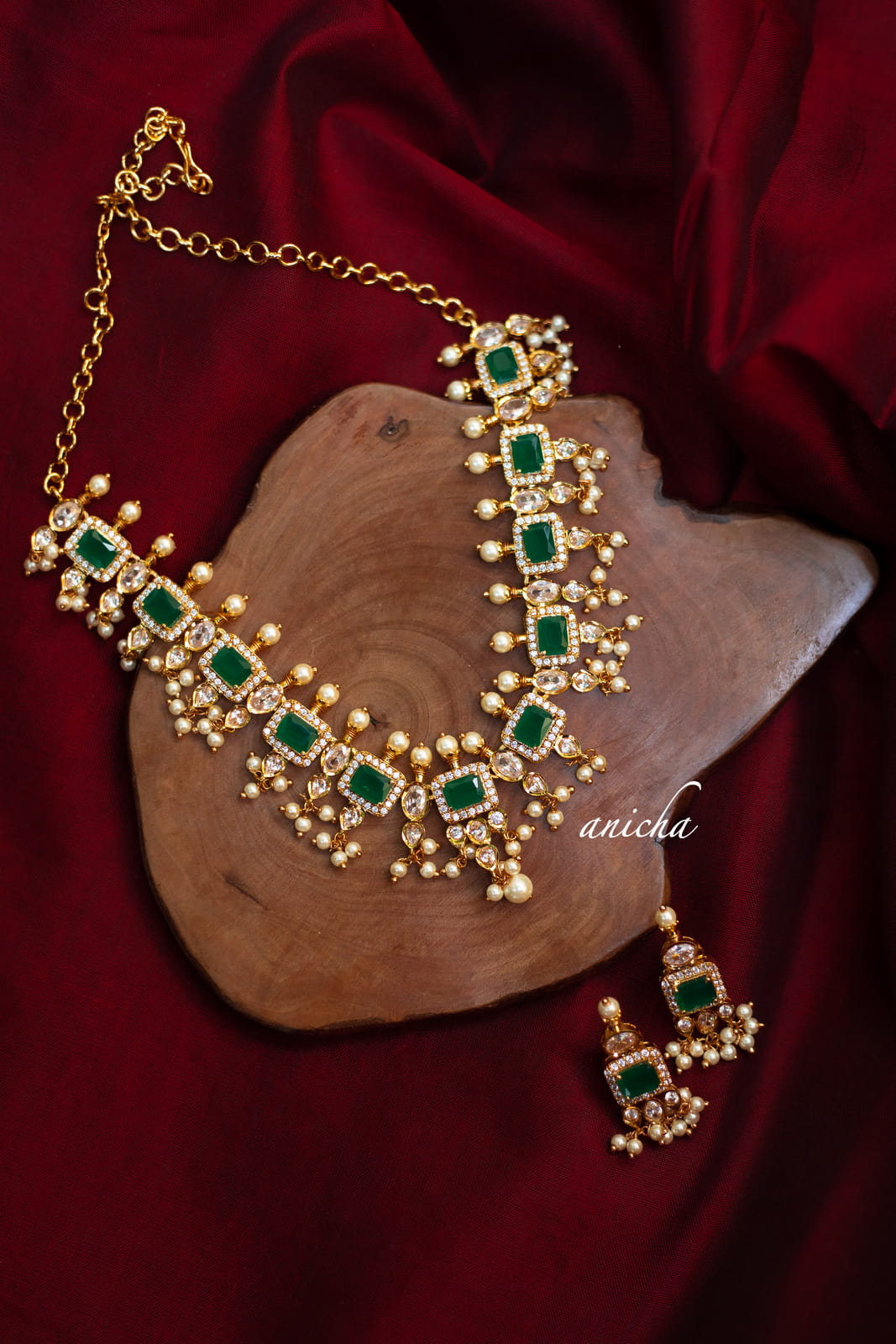 Emerald-AD-Square-Designer-Necklace-Set-01