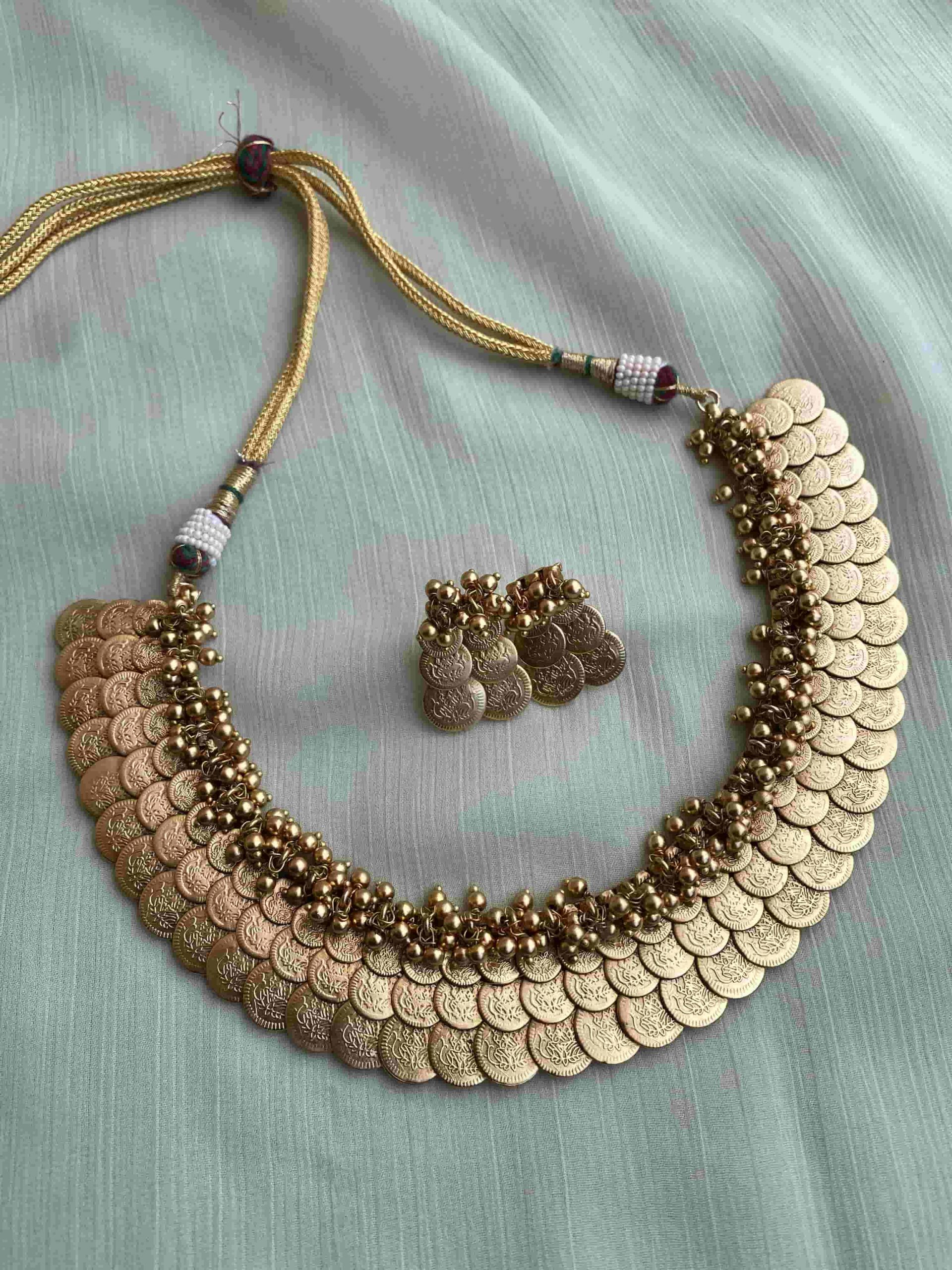 Gorgeous-Traditional-Lakshmi-Coin-Necklace-01-2-scaled