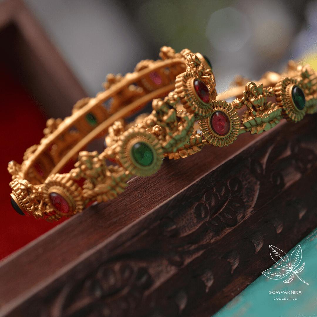Imitation-Red-Green-Stone-Lakshmi-Bangles-01