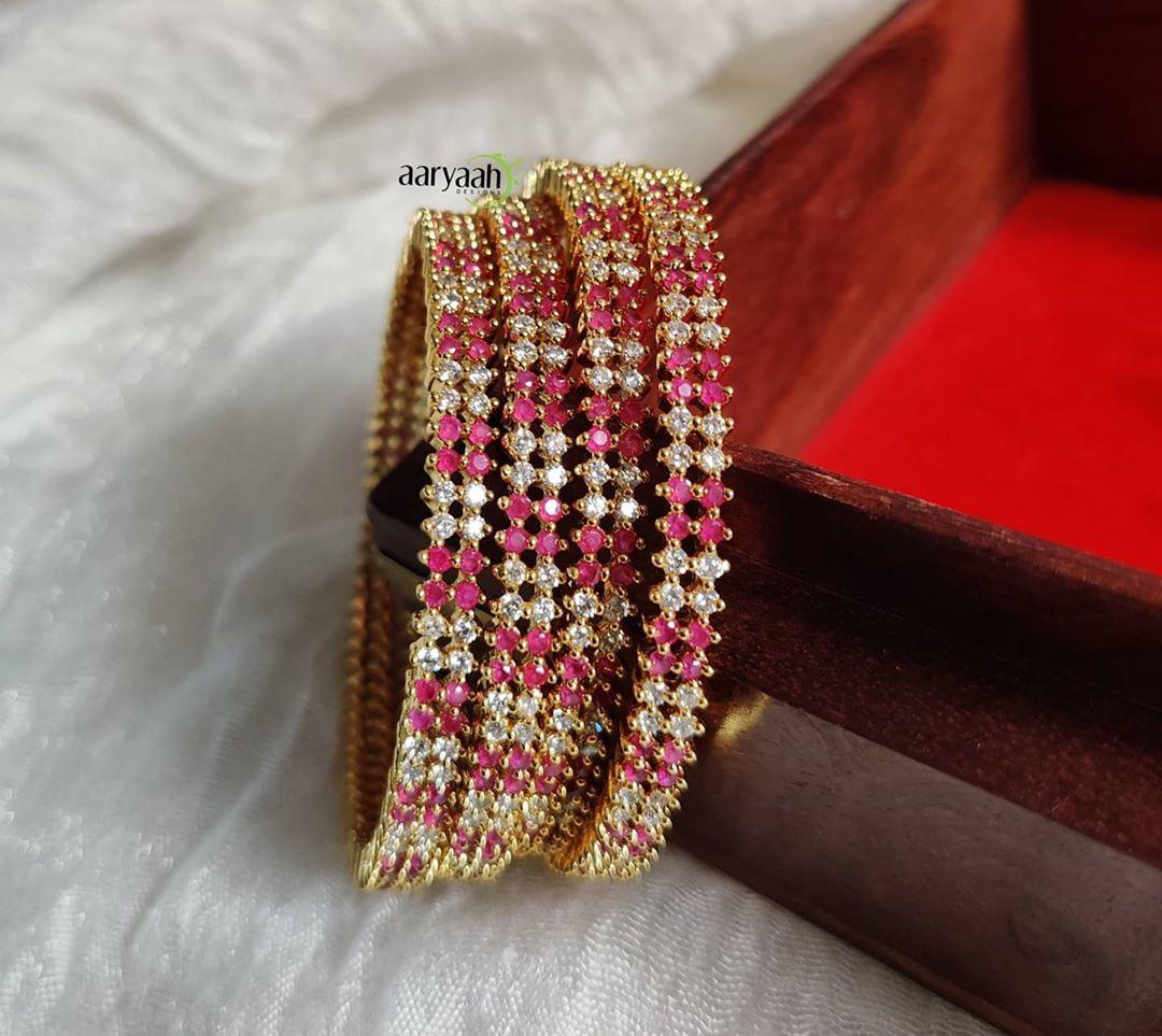 antique-gold-polish-american-diamond-bangles