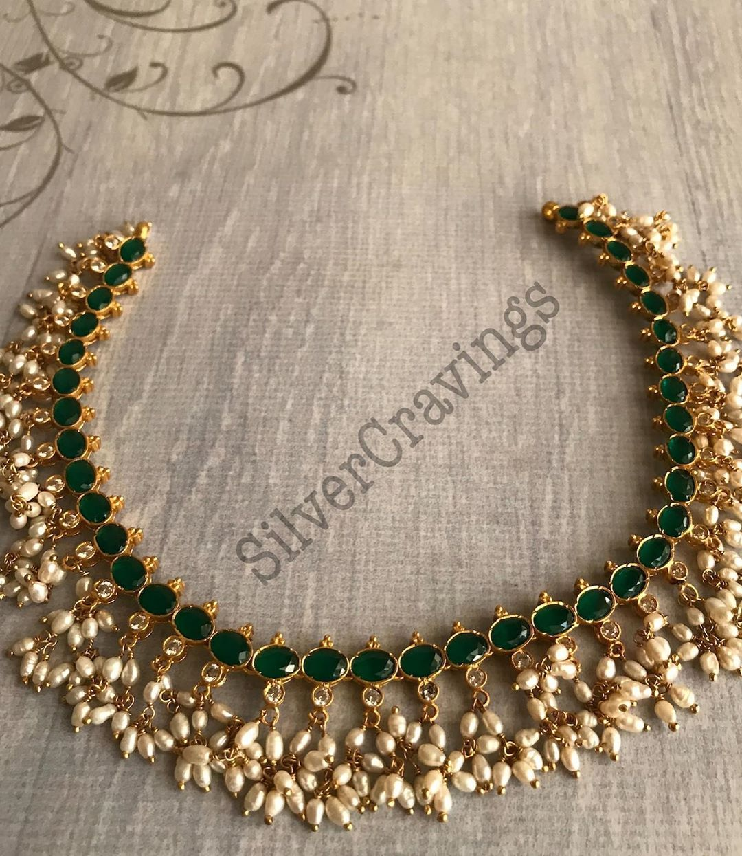 emerald-pearl-necklace