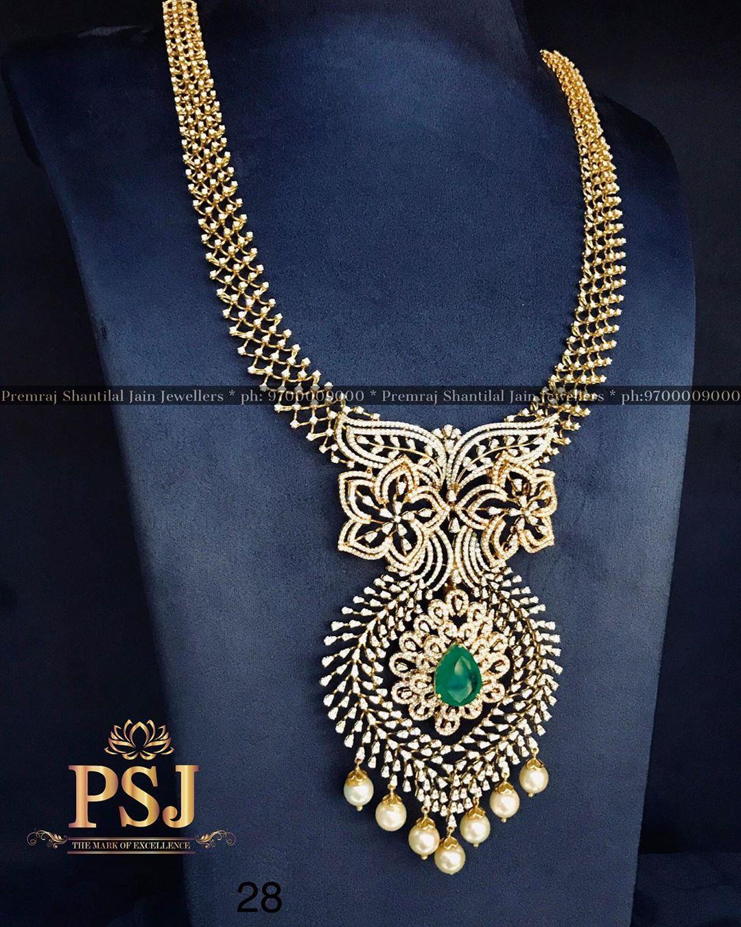 heritage-diamond-emerald-necklace