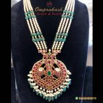 Kundan Locket With Pearls And Emeralds Chain