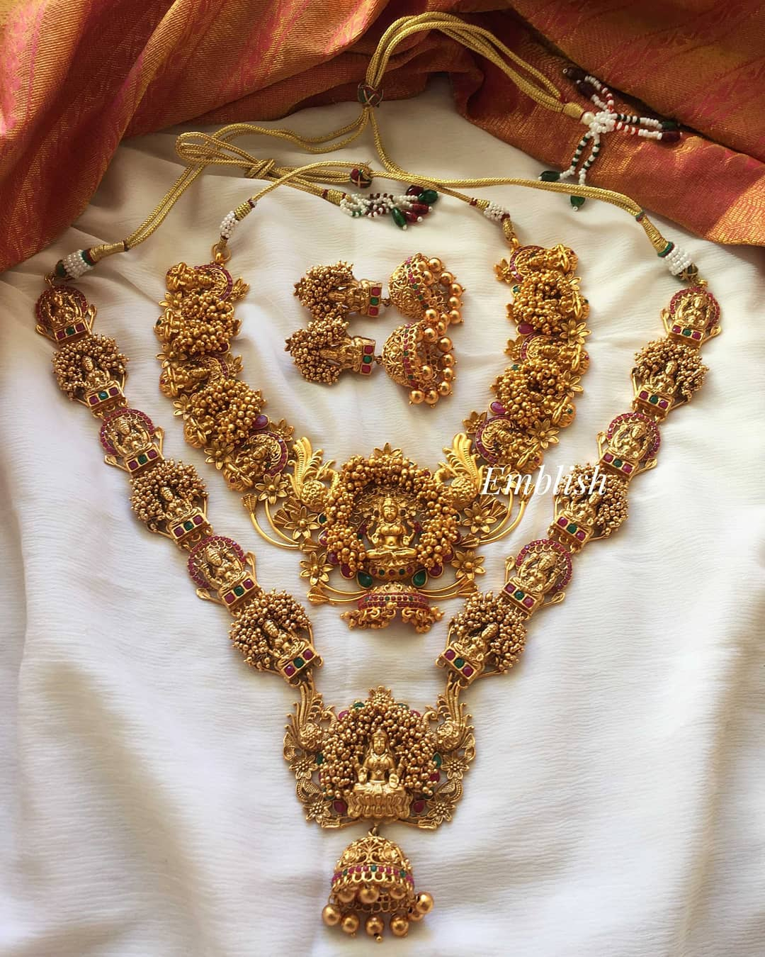 matte-finish-lakshmi-grand-semi-bridal-set